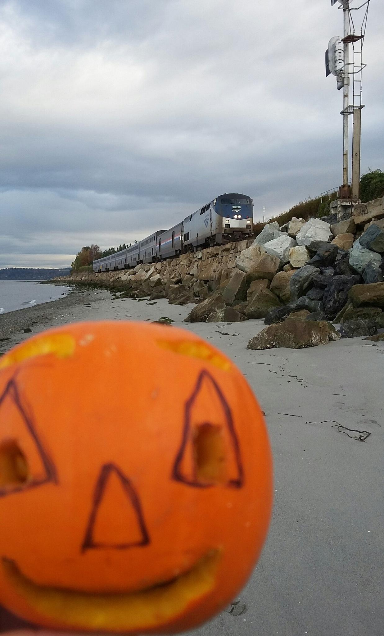 happy Halloween :)!!! by Elizabettvan