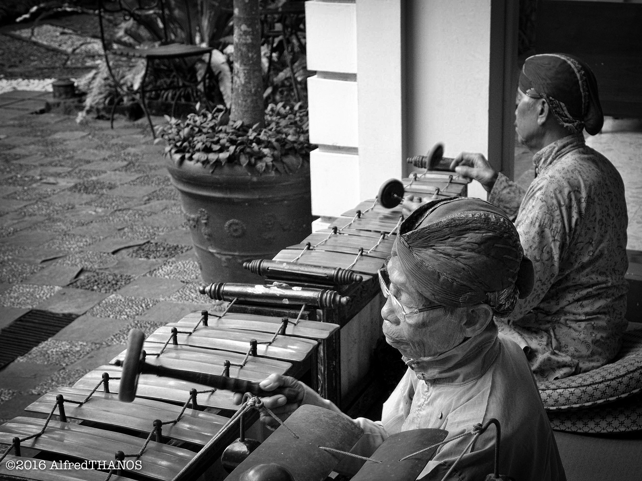 gamelan players 2 by alfredthanos