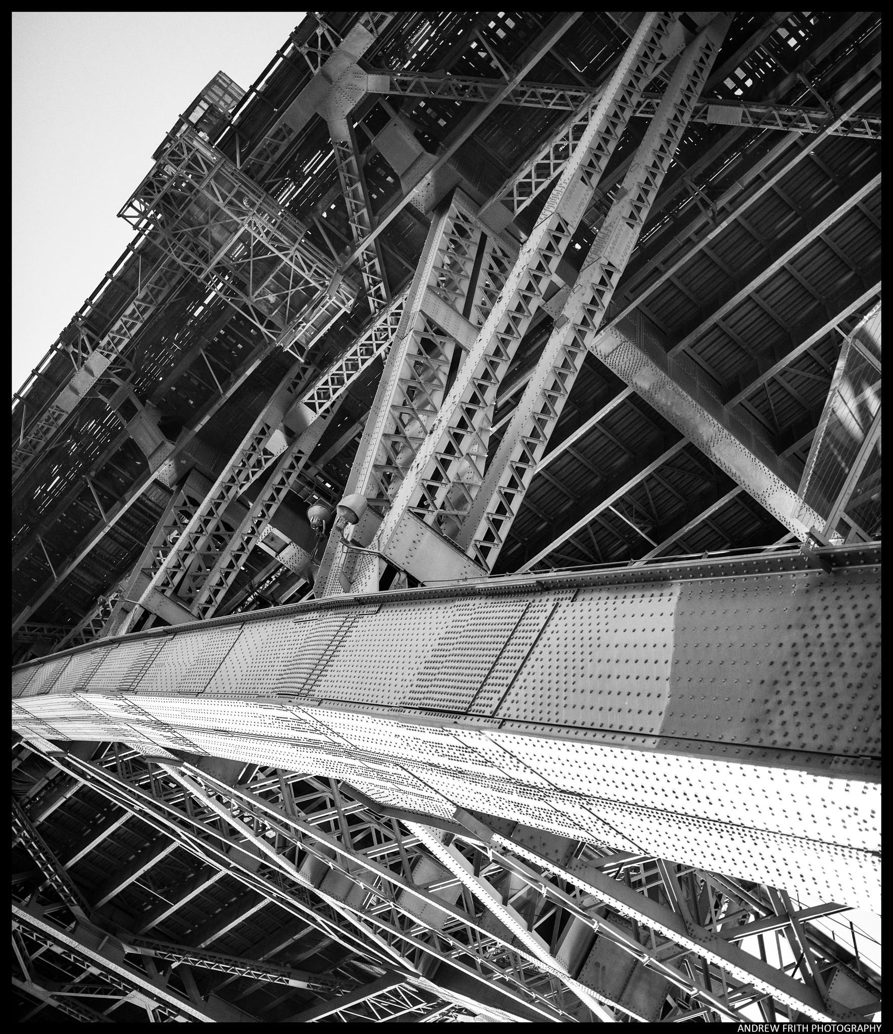 Sydney harbour bridge by andrewfrith