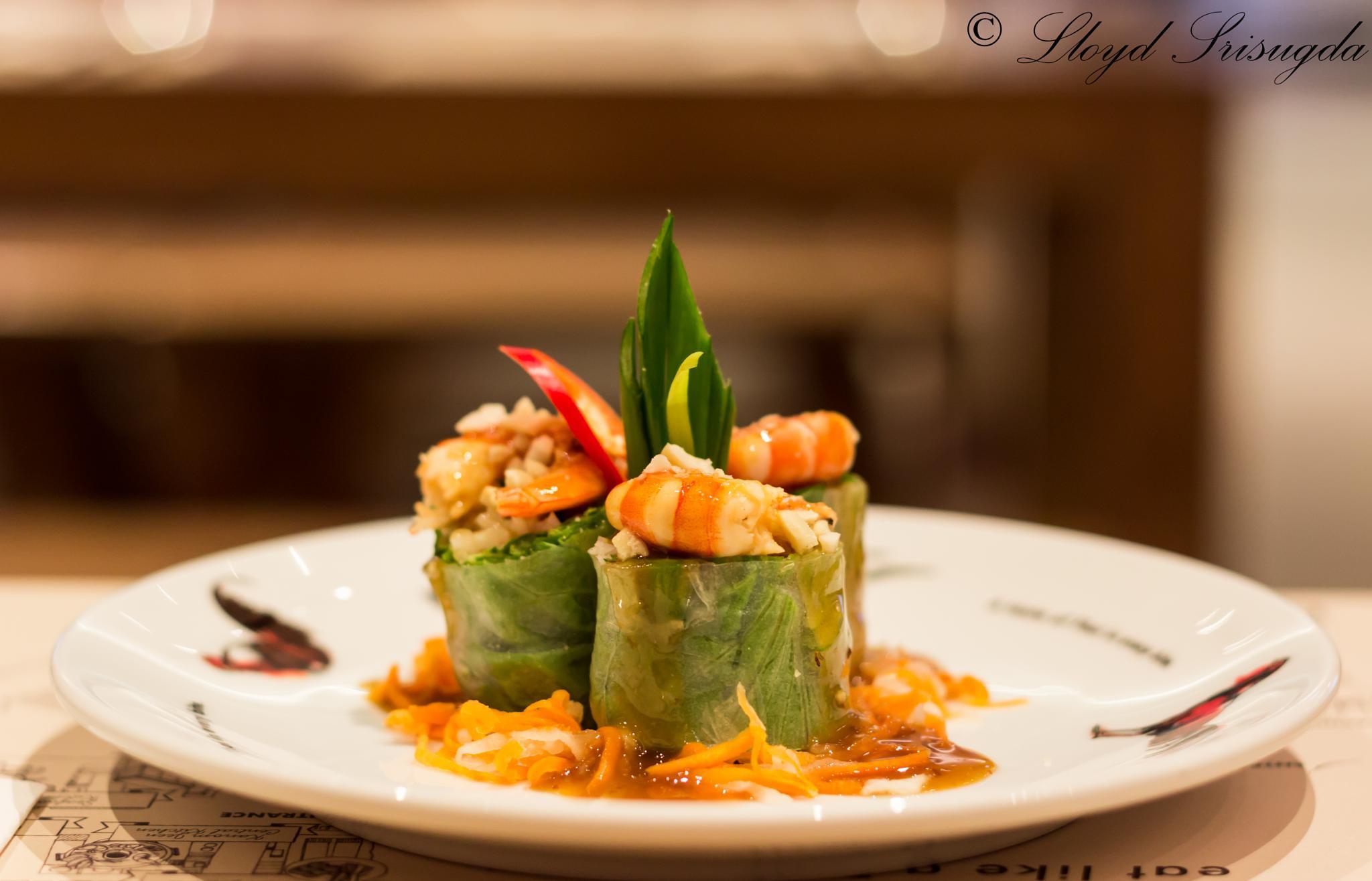Vietnamese fresh spring rolls by lloydsrisugda