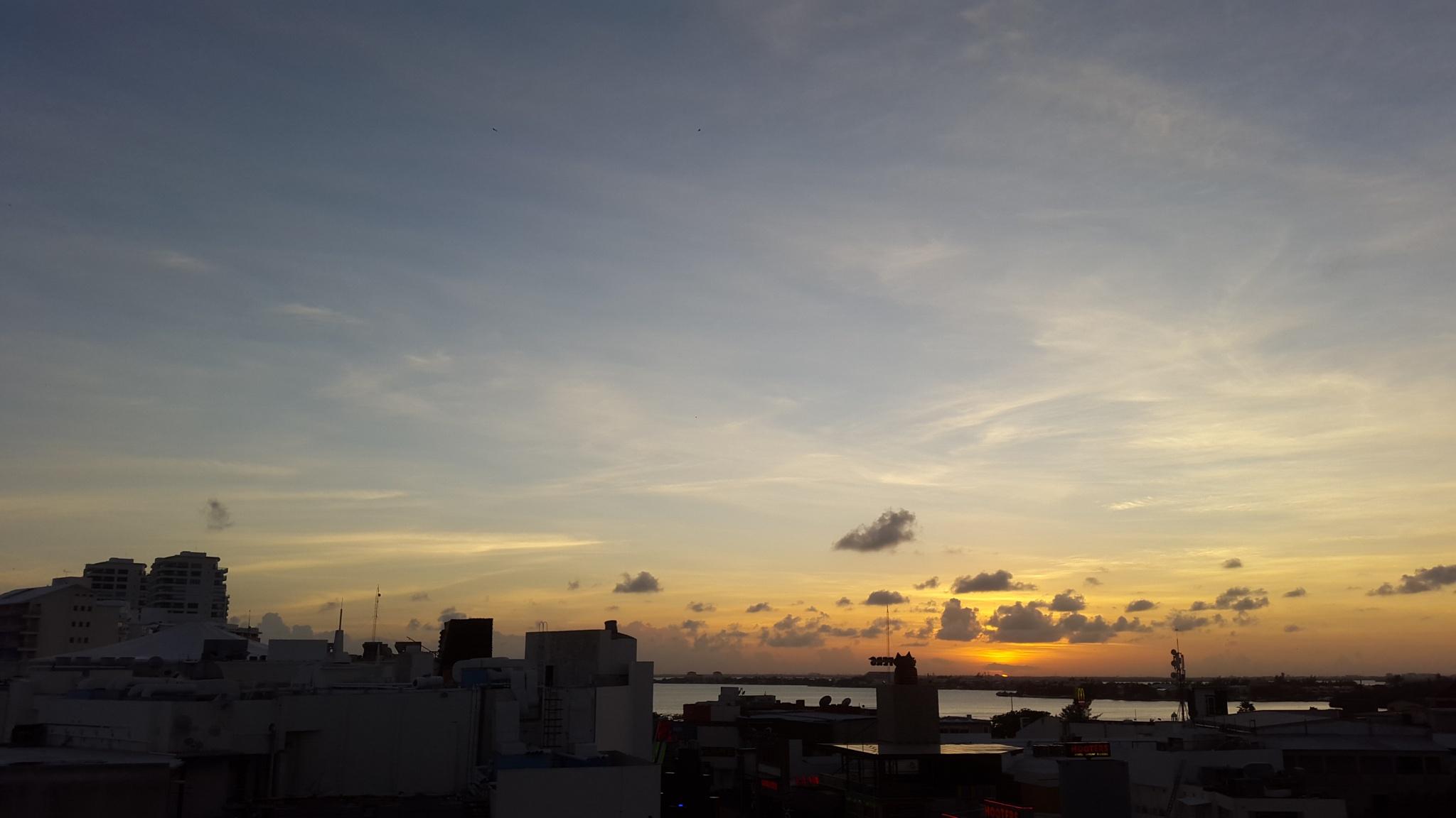 Dawn... Cancun by spoonmman
