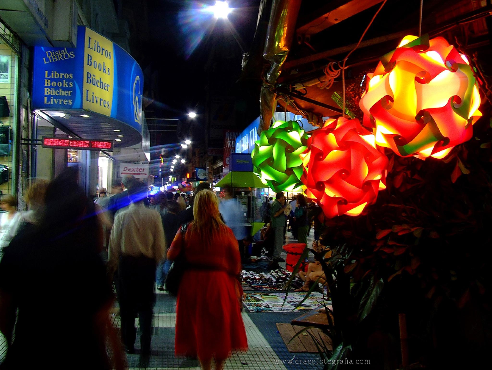 """De la Serie """"Calle Florida: Heterogeneidad Urbana"""" by Roy Santiago Calle"""
