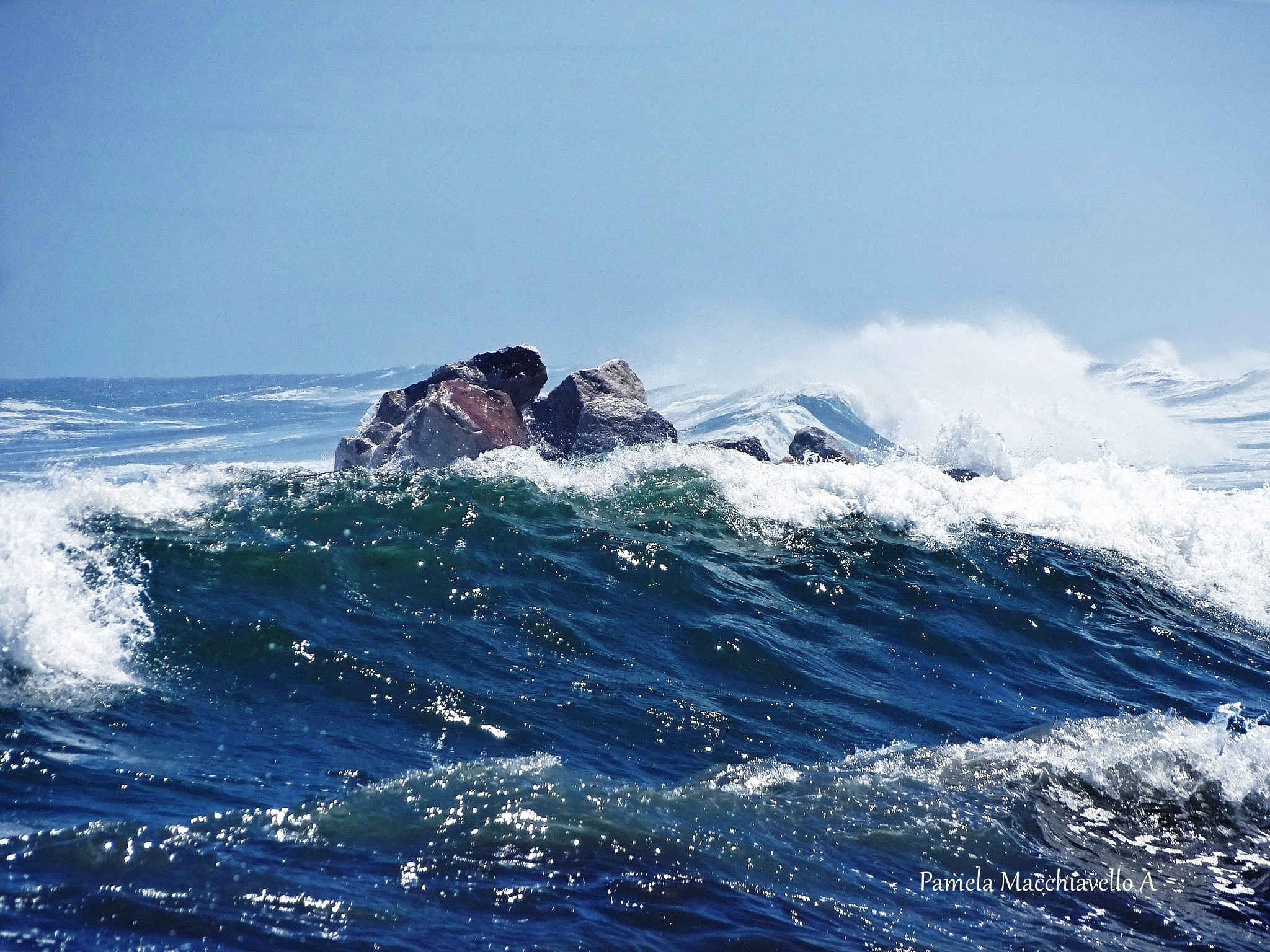 Mar agitado by Pamela Macc