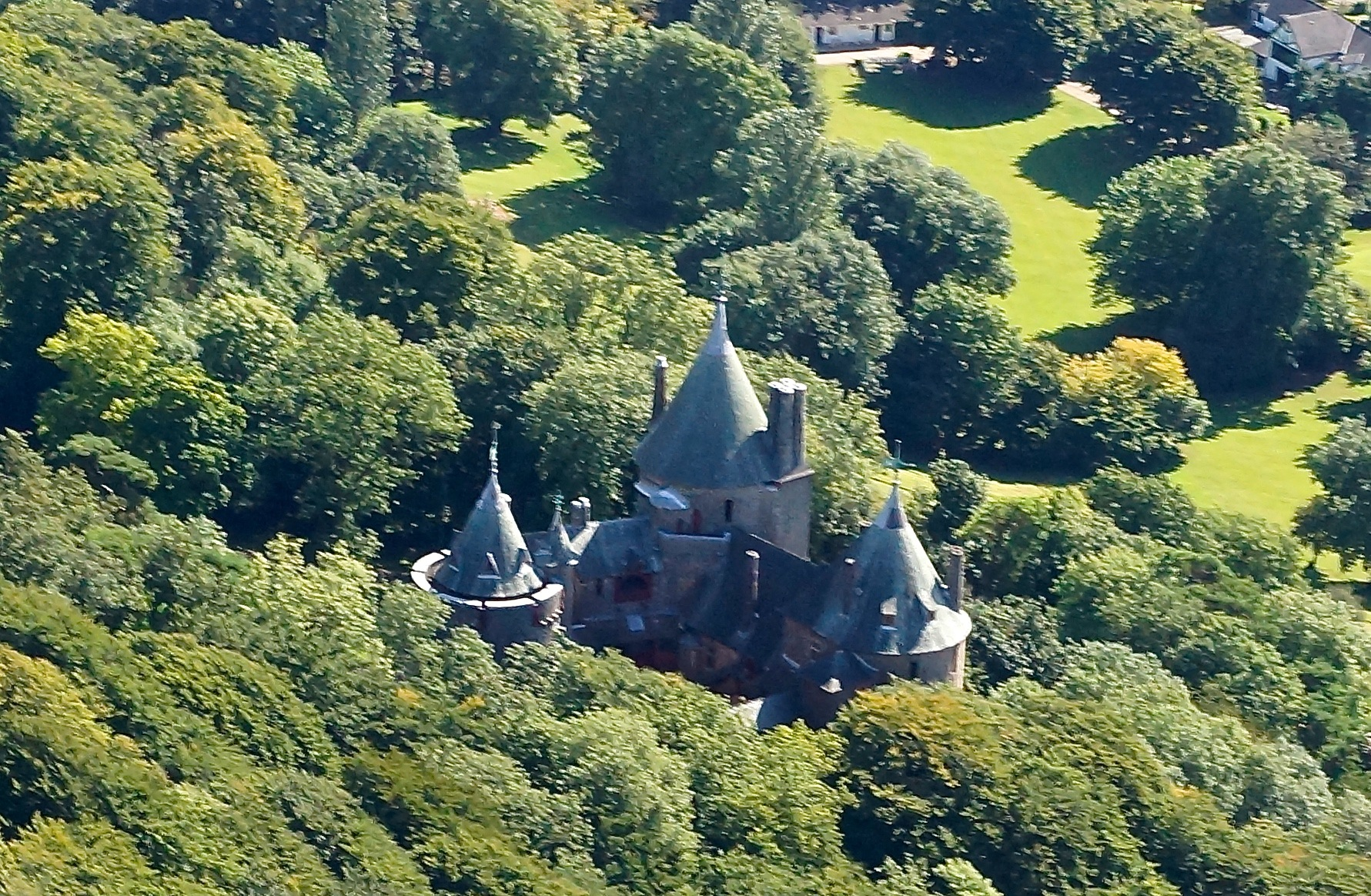 Castel Coch  by JohnBulpin