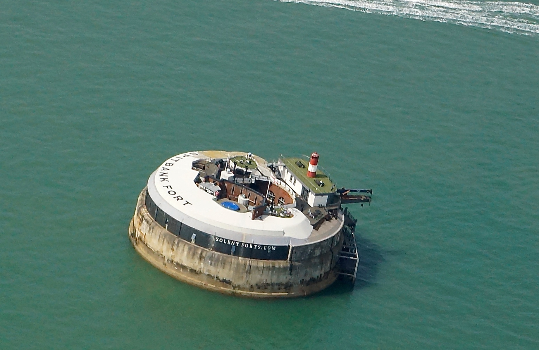 spitbank fort by JohnBulpin