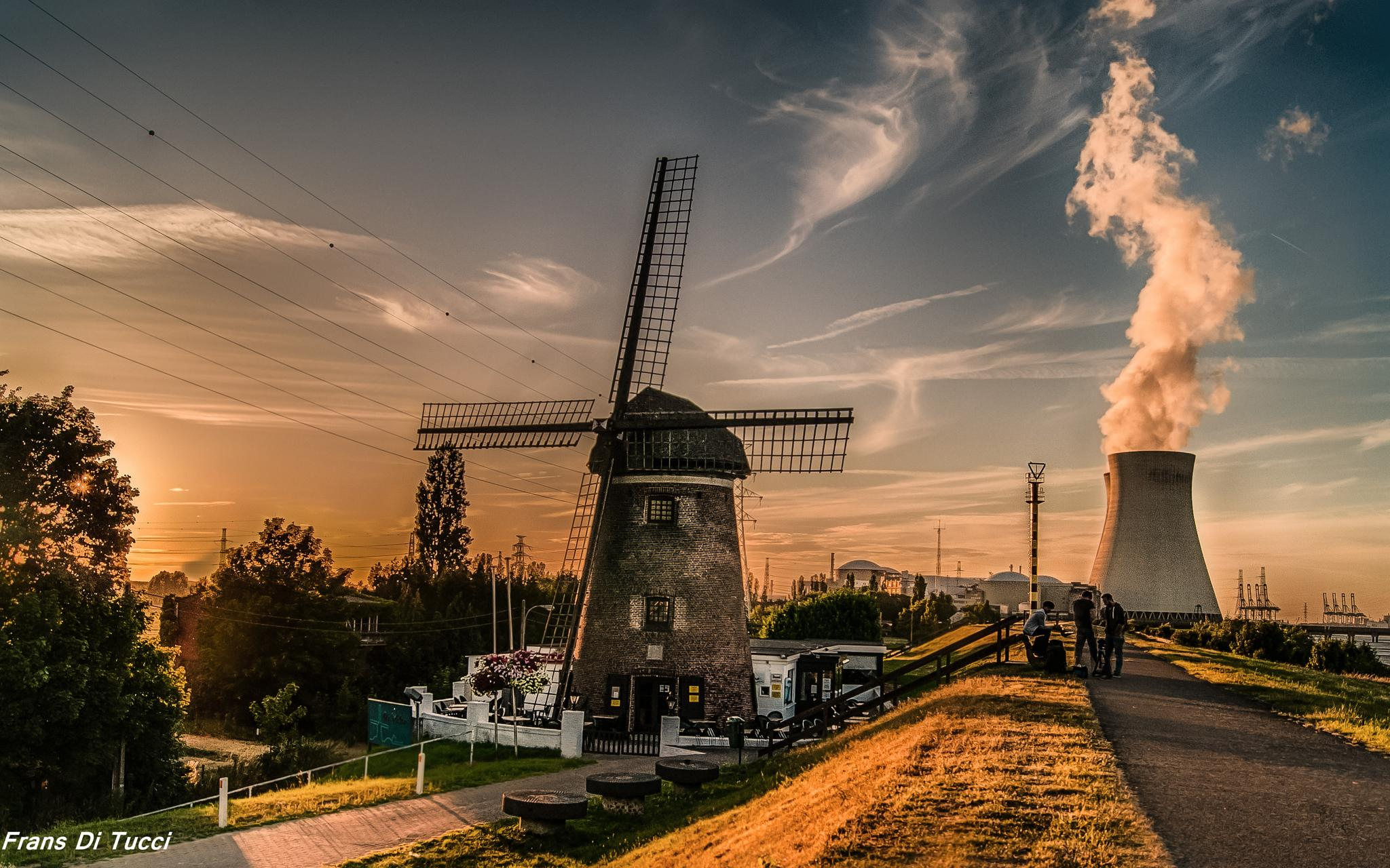 Windmill sunset by frans.ditucci