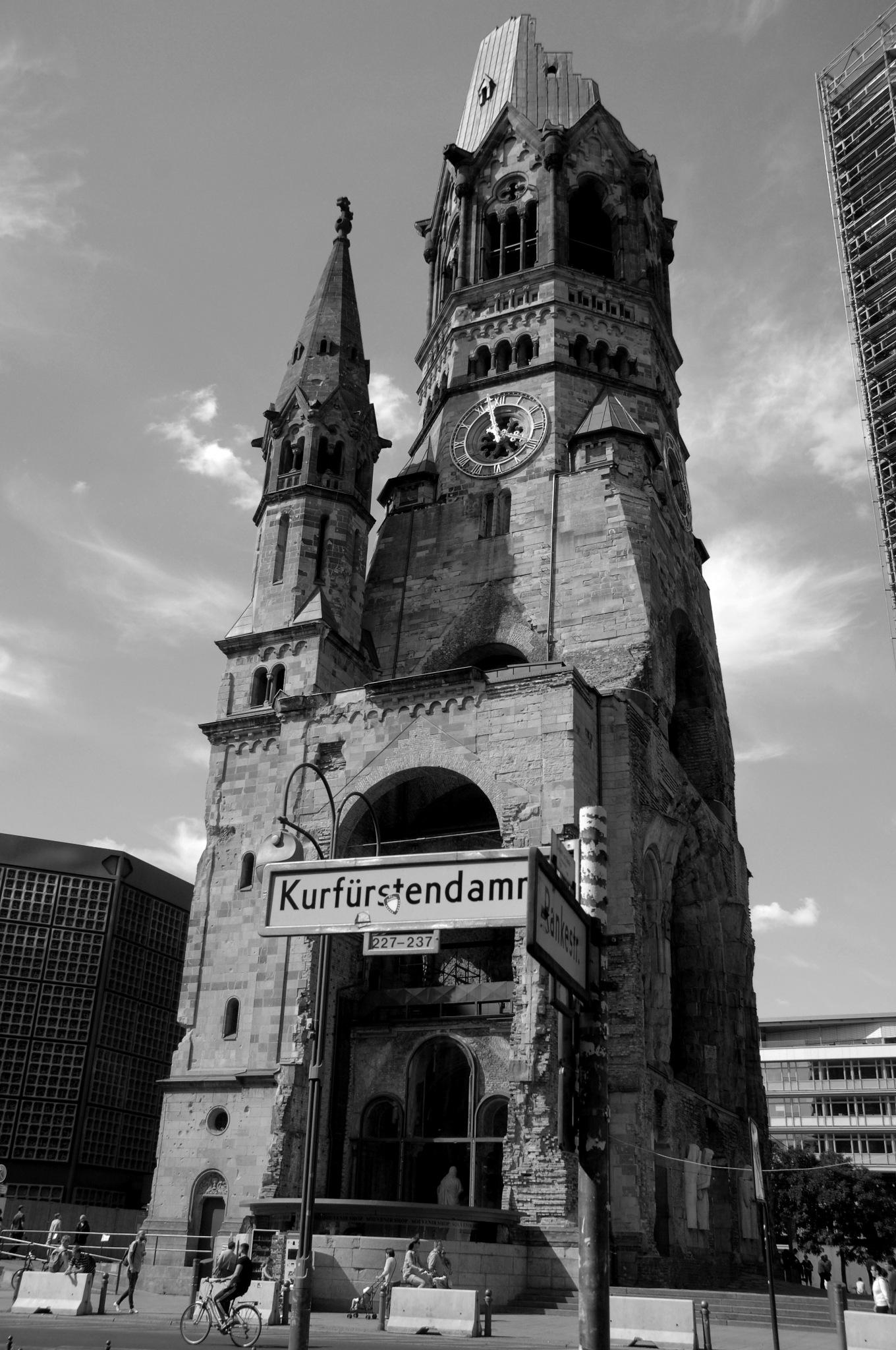 Alt Kirche - Berlin by andy.woolleyuk