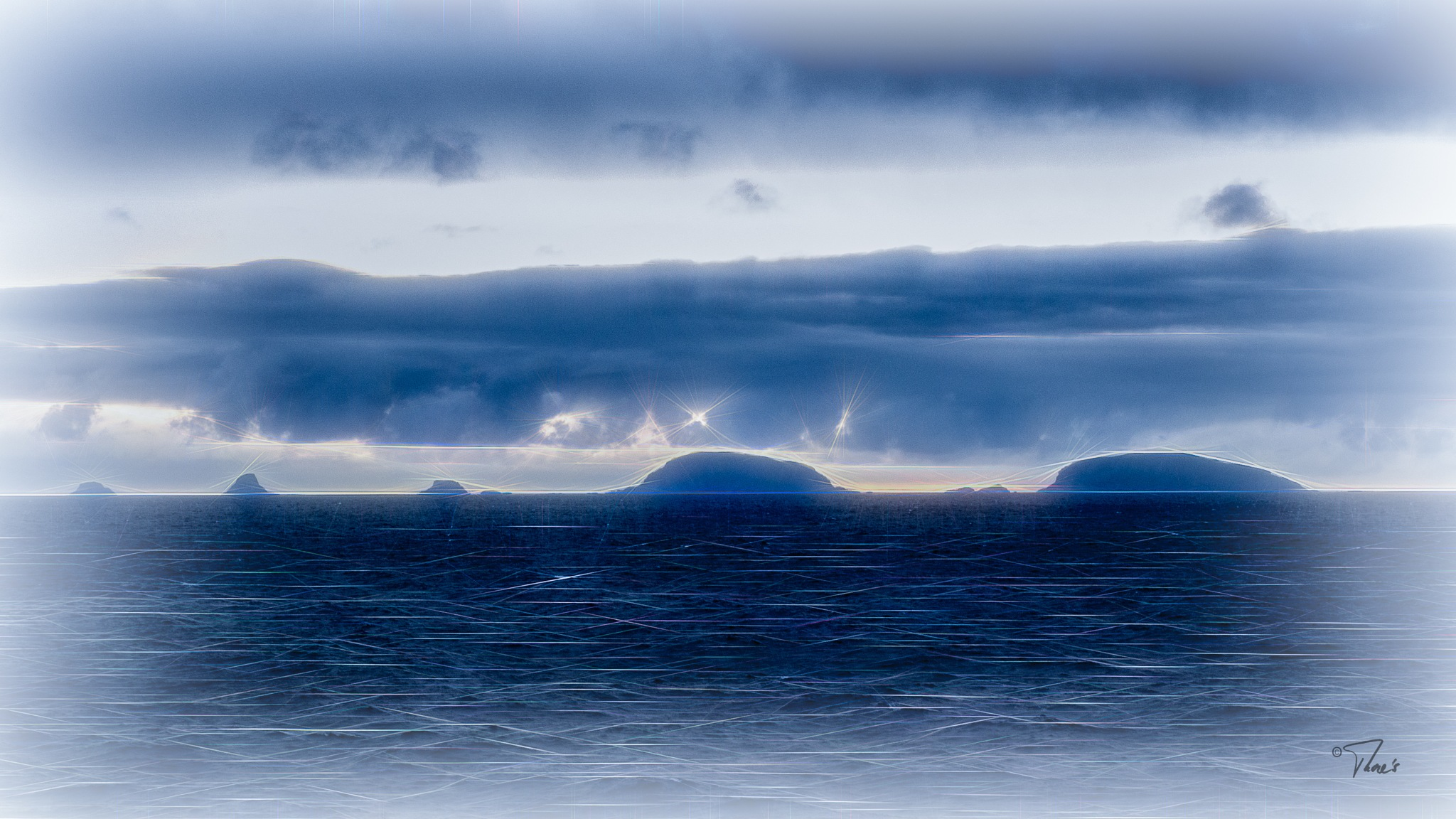islands on the horizon by Thore's photo