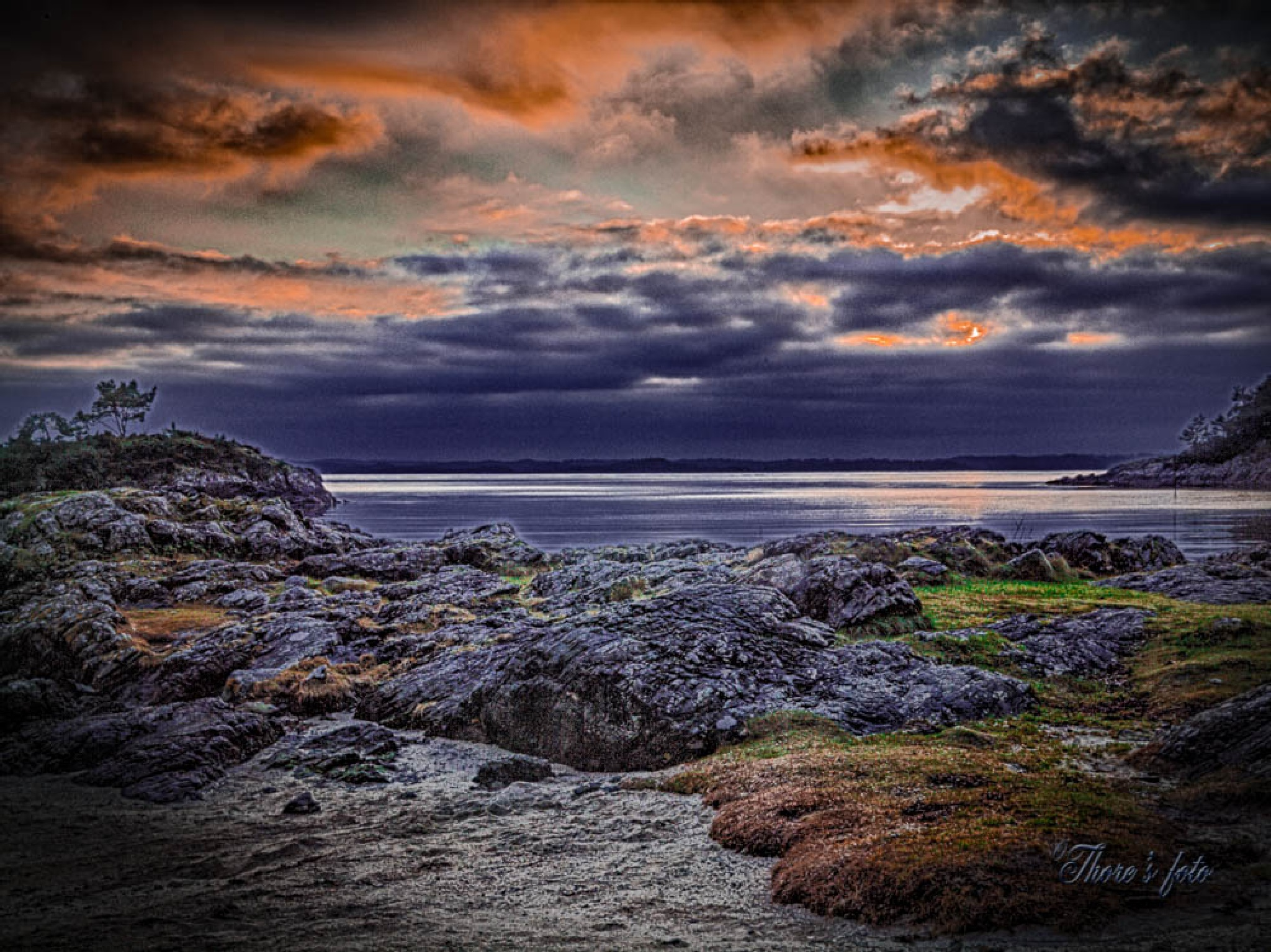 rocks and sunset by Thore's photo