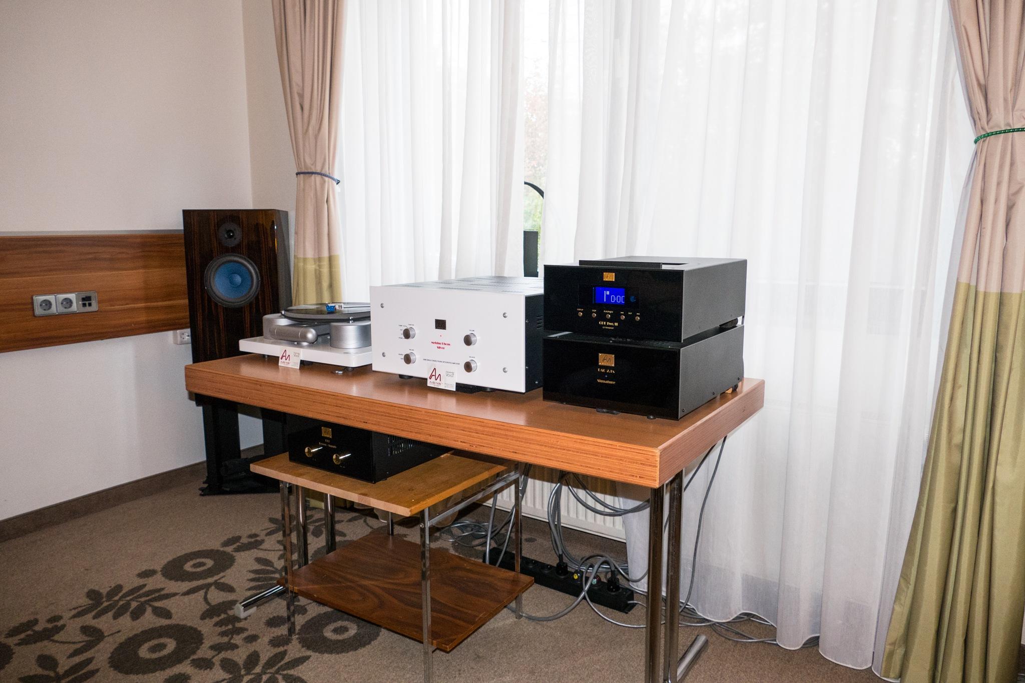 Legendary Audio Note system by Anatoliy Ashmyanskiy