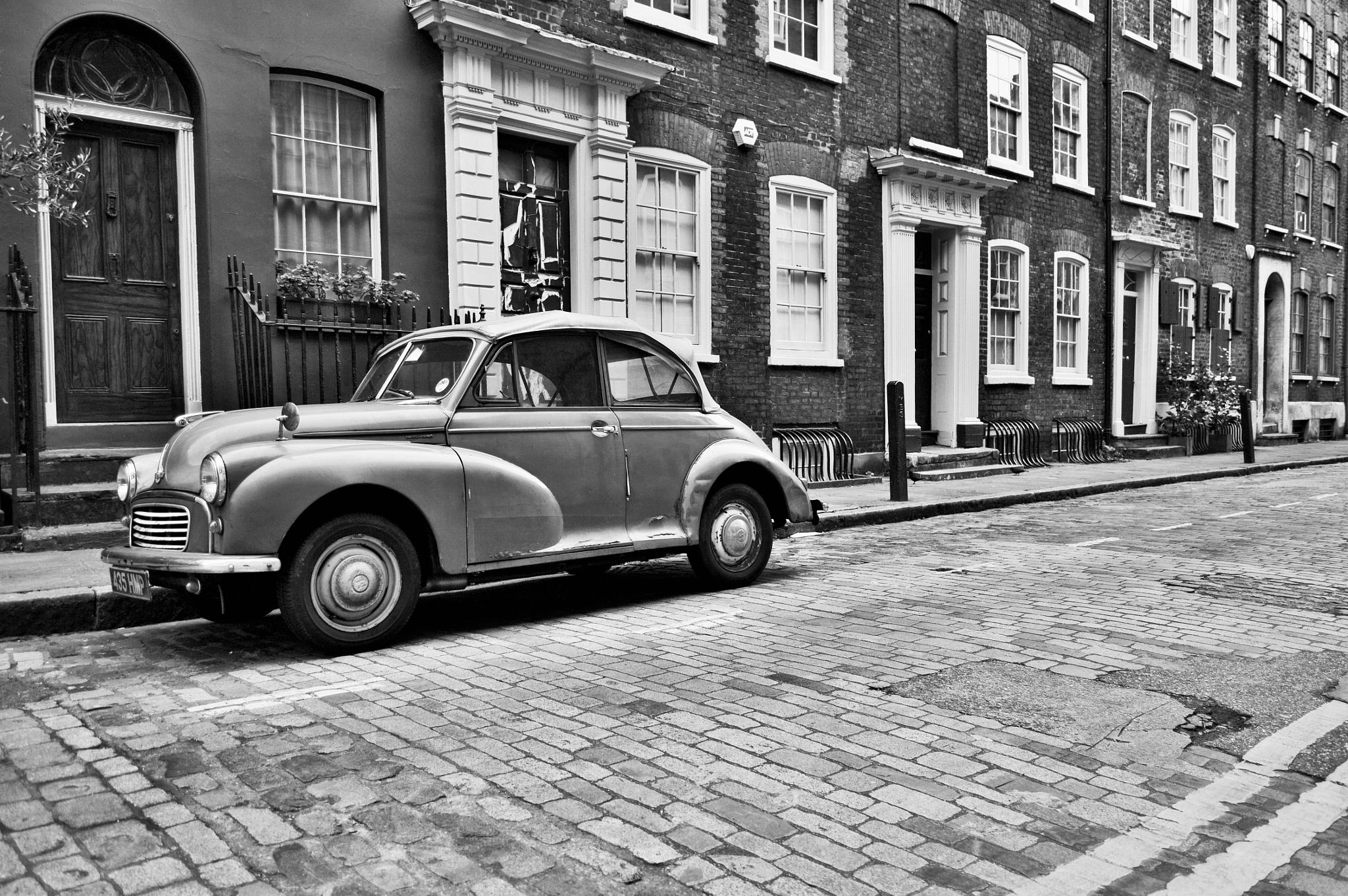 Old car somewhere around Liverpool street by maxsand68