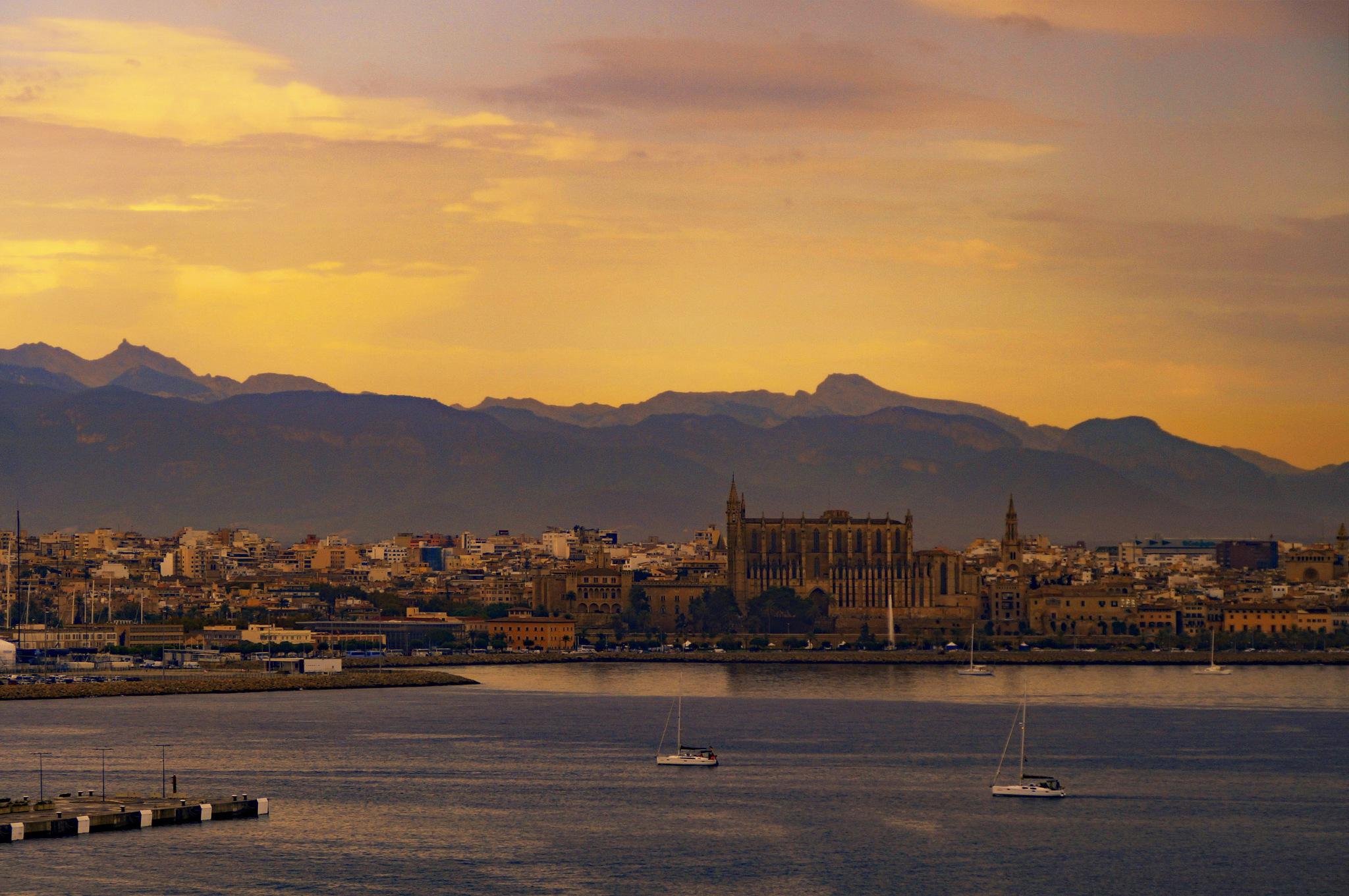 Palma de Mallorca by Frank Schmidt