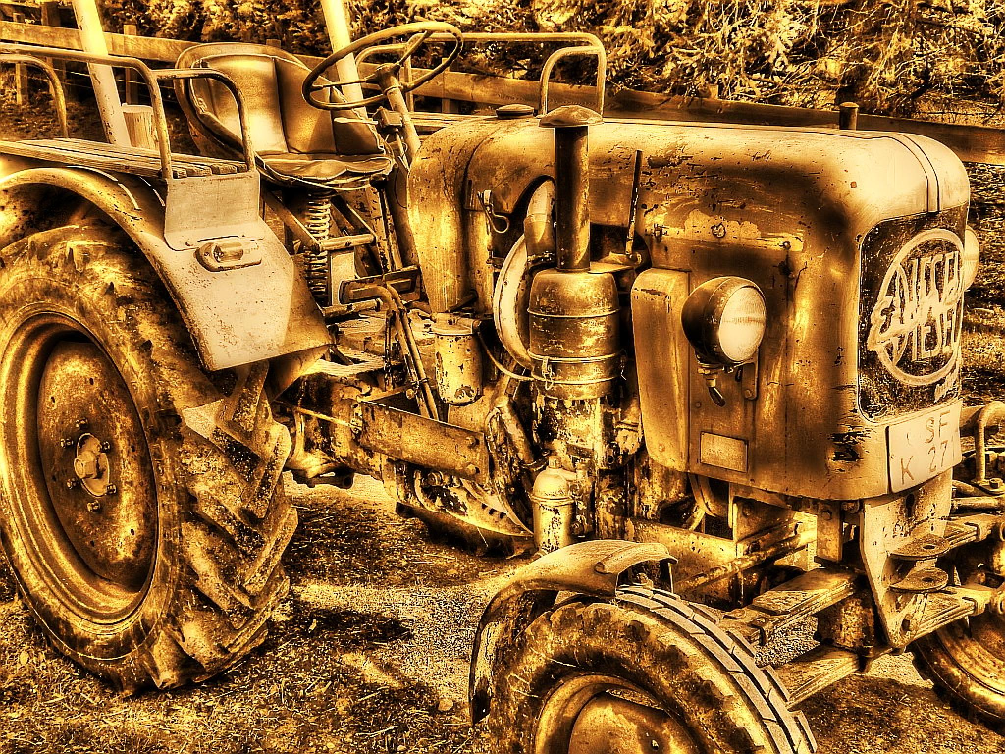 the golden Tractor by Frank Schmidt