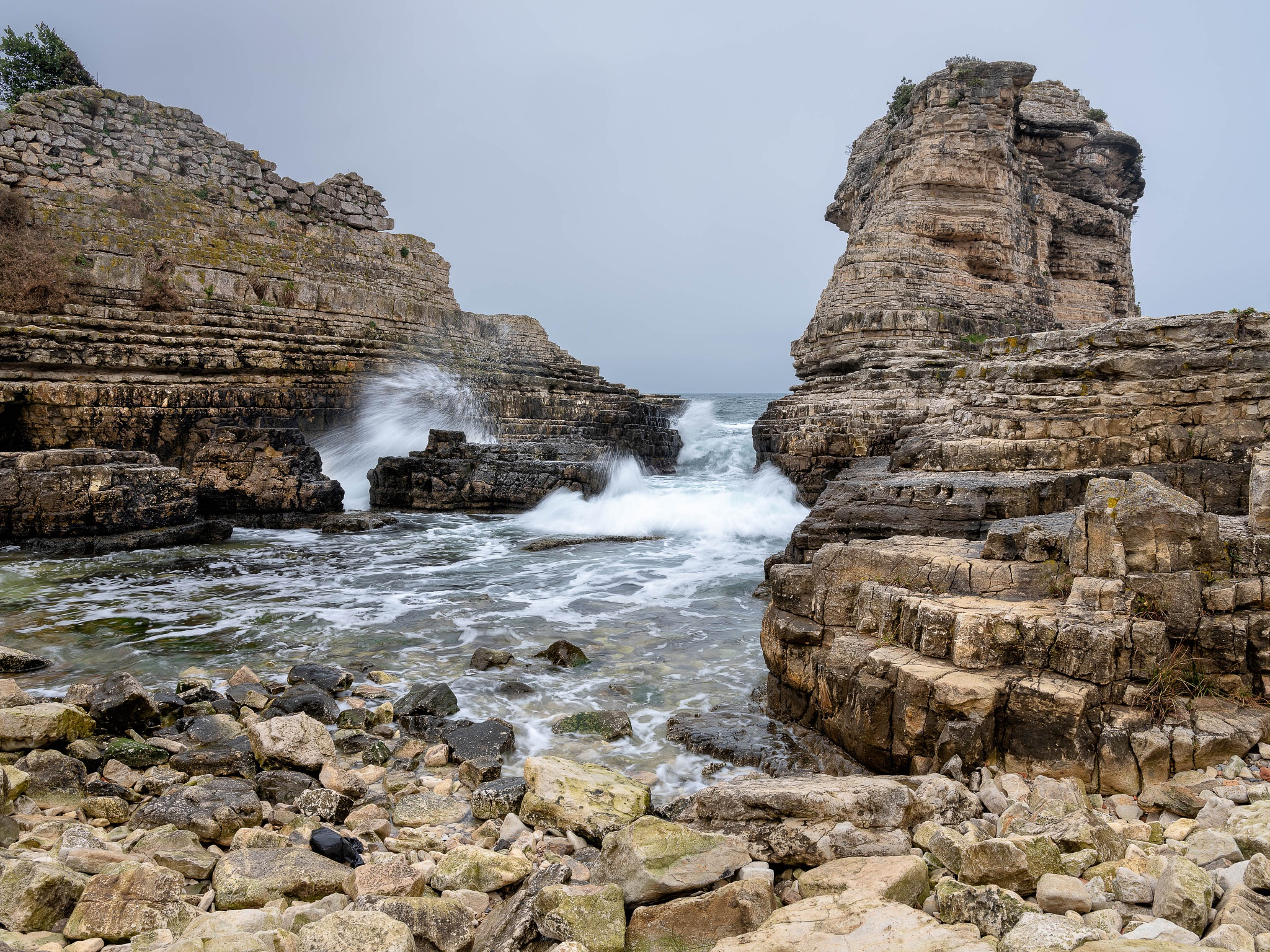 Photo in Random #sea #cliffs #sesssıde #rocks #waves #fuji