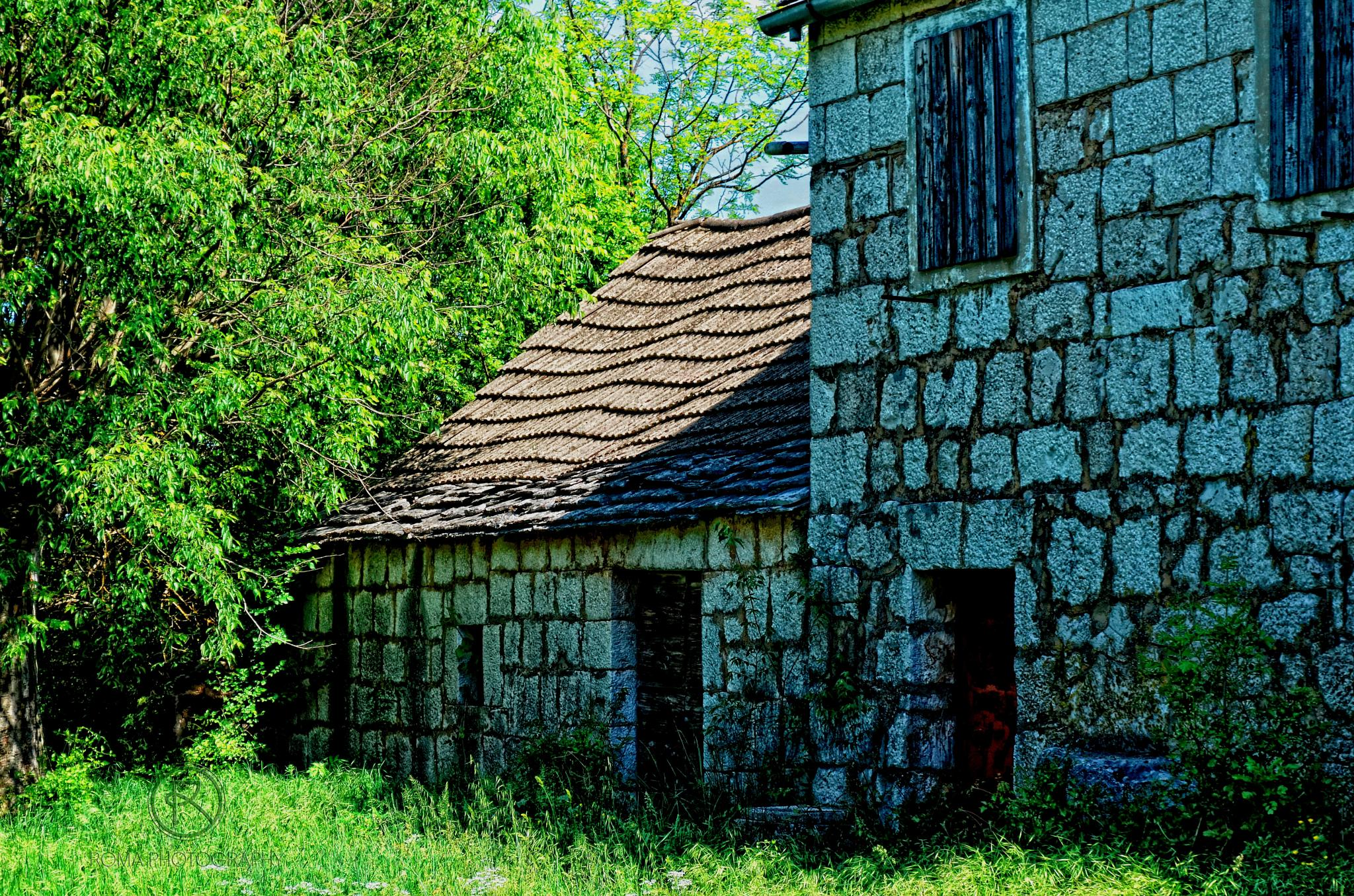 abandoned home 12 by Roma Photography