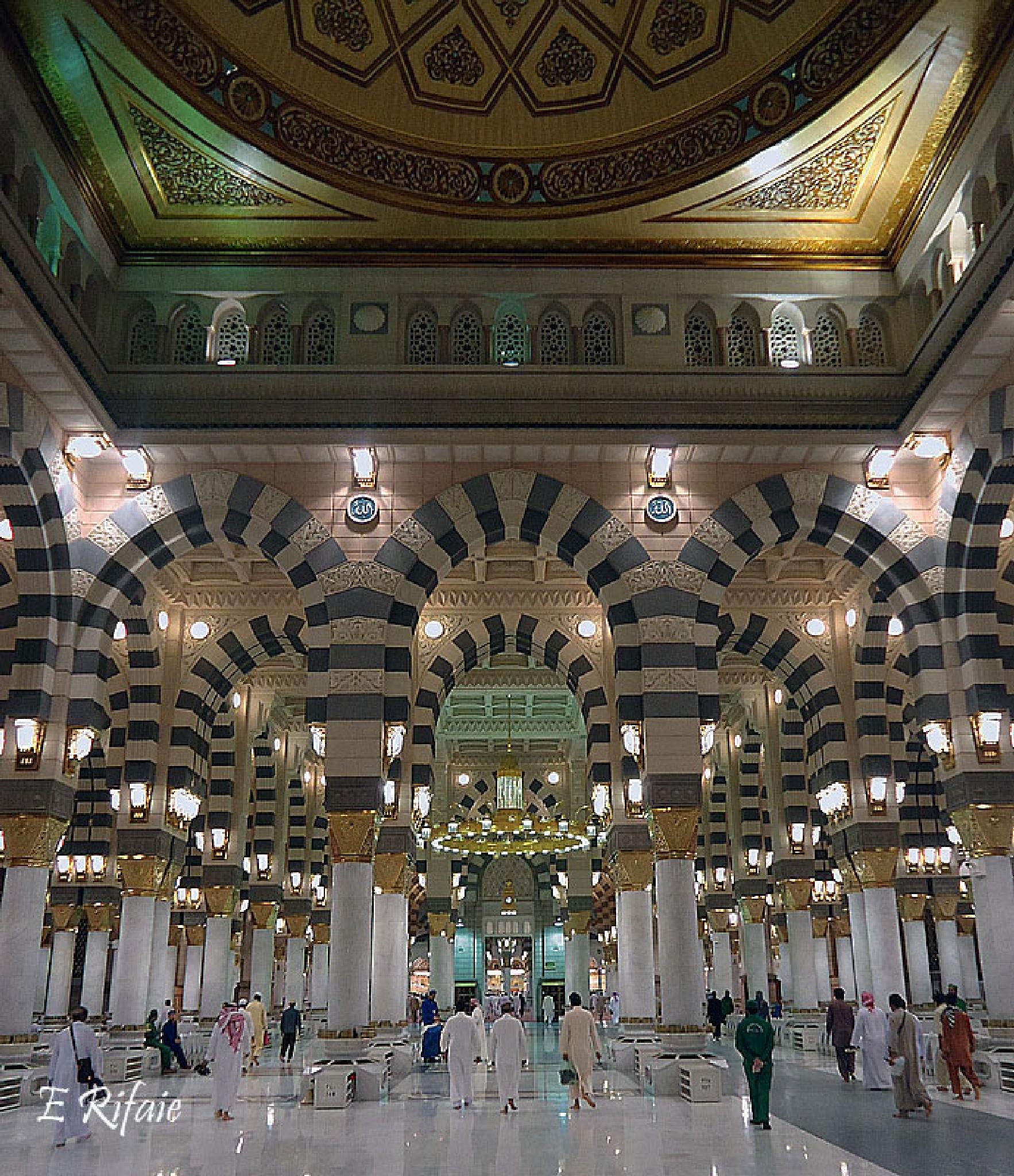 Al Madinah mosque by Emad Eldin Moustafa El Refaie