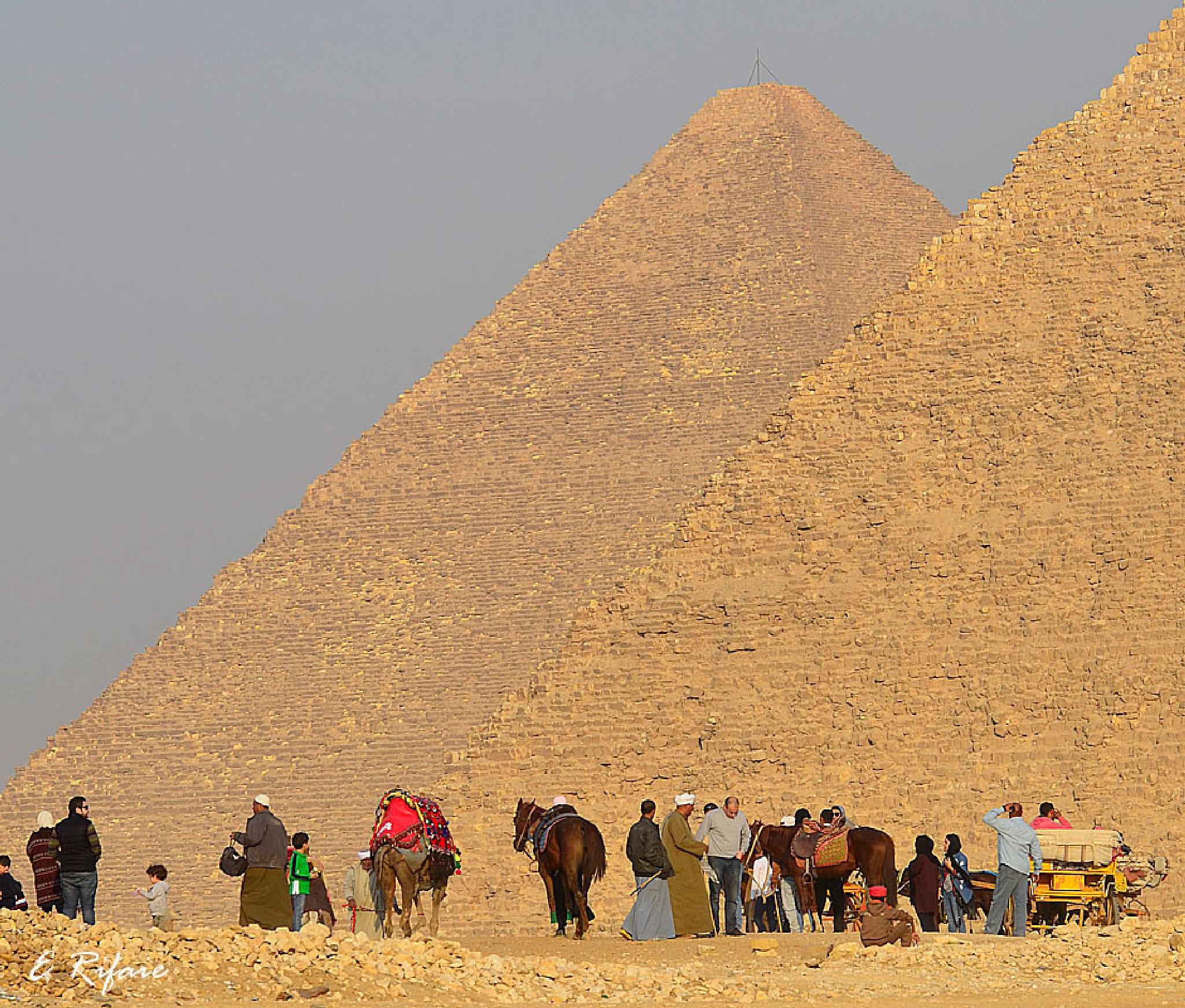Egyptian pyramids by Emad Eldin Moustafa El Refaie