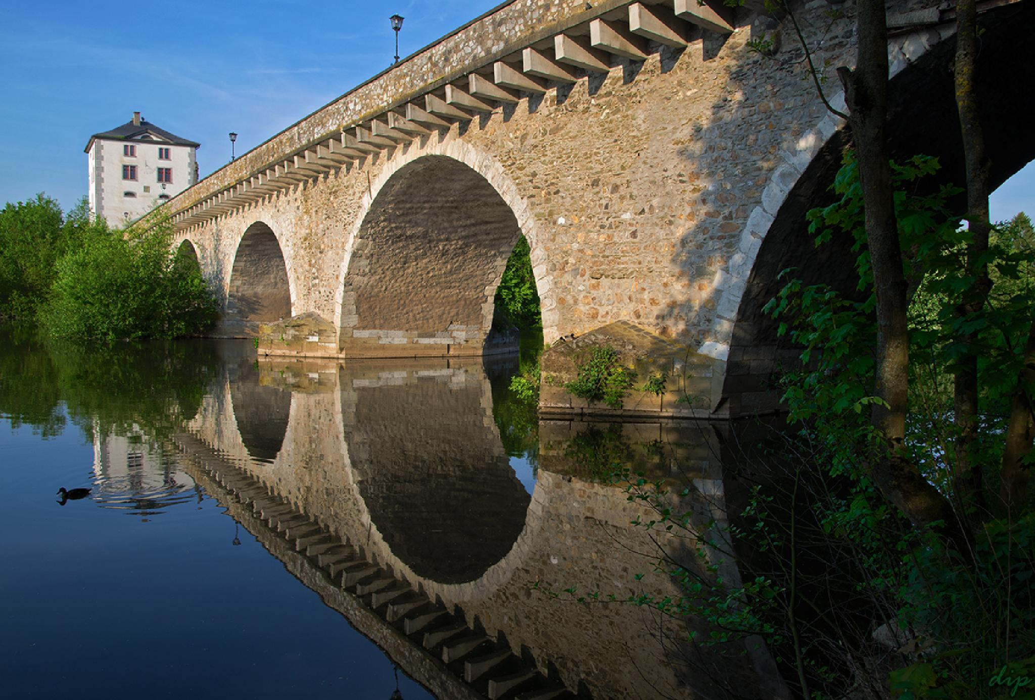Old Bridge by dipphotos