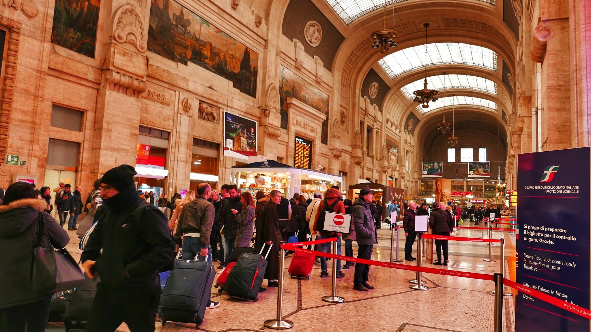 Milano Stazione Centrale by sahbel