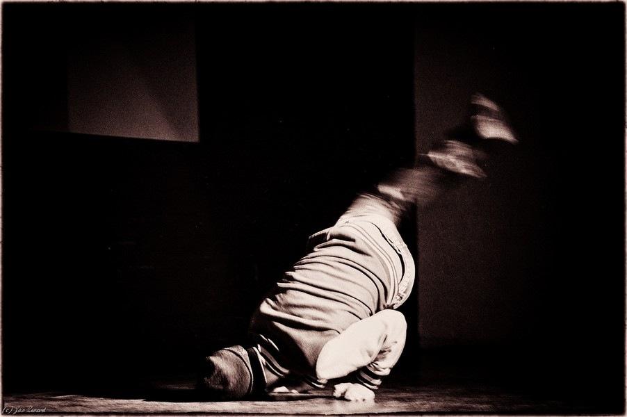 Breakdance by Jos Zwart