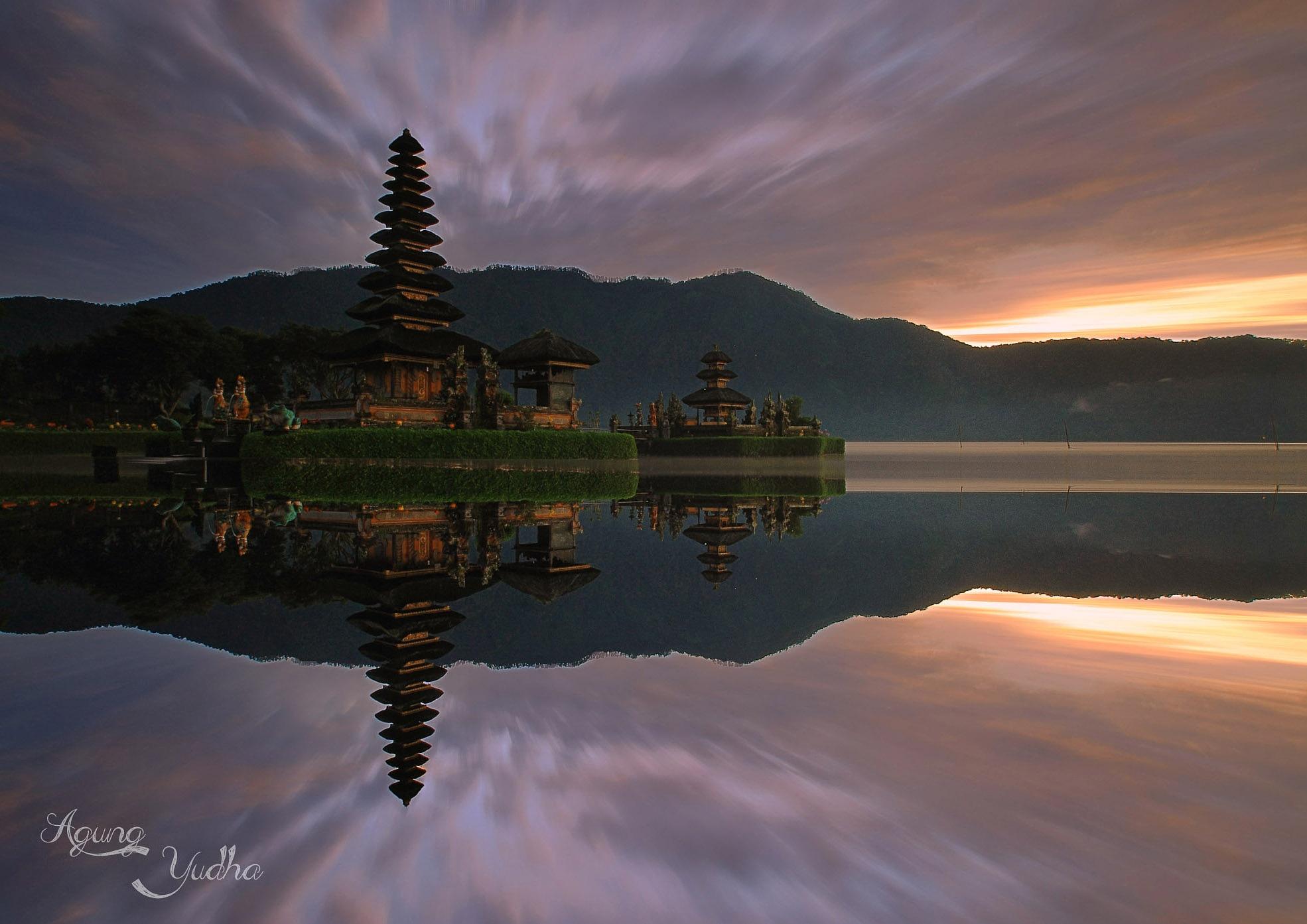Ulun Danau Beratan  by Agung Yudha