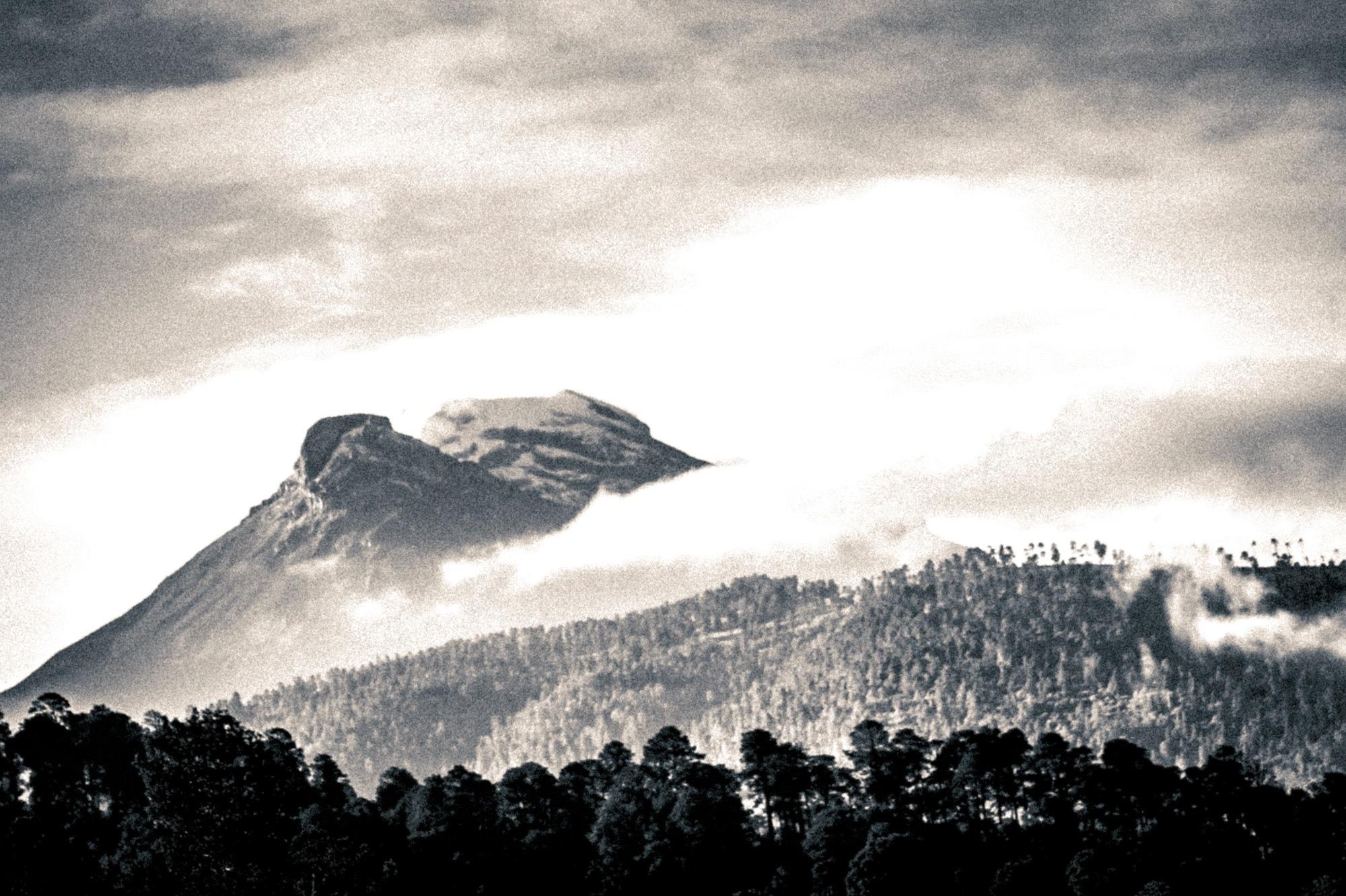 Iztaccihuatl by Gerardo Torres