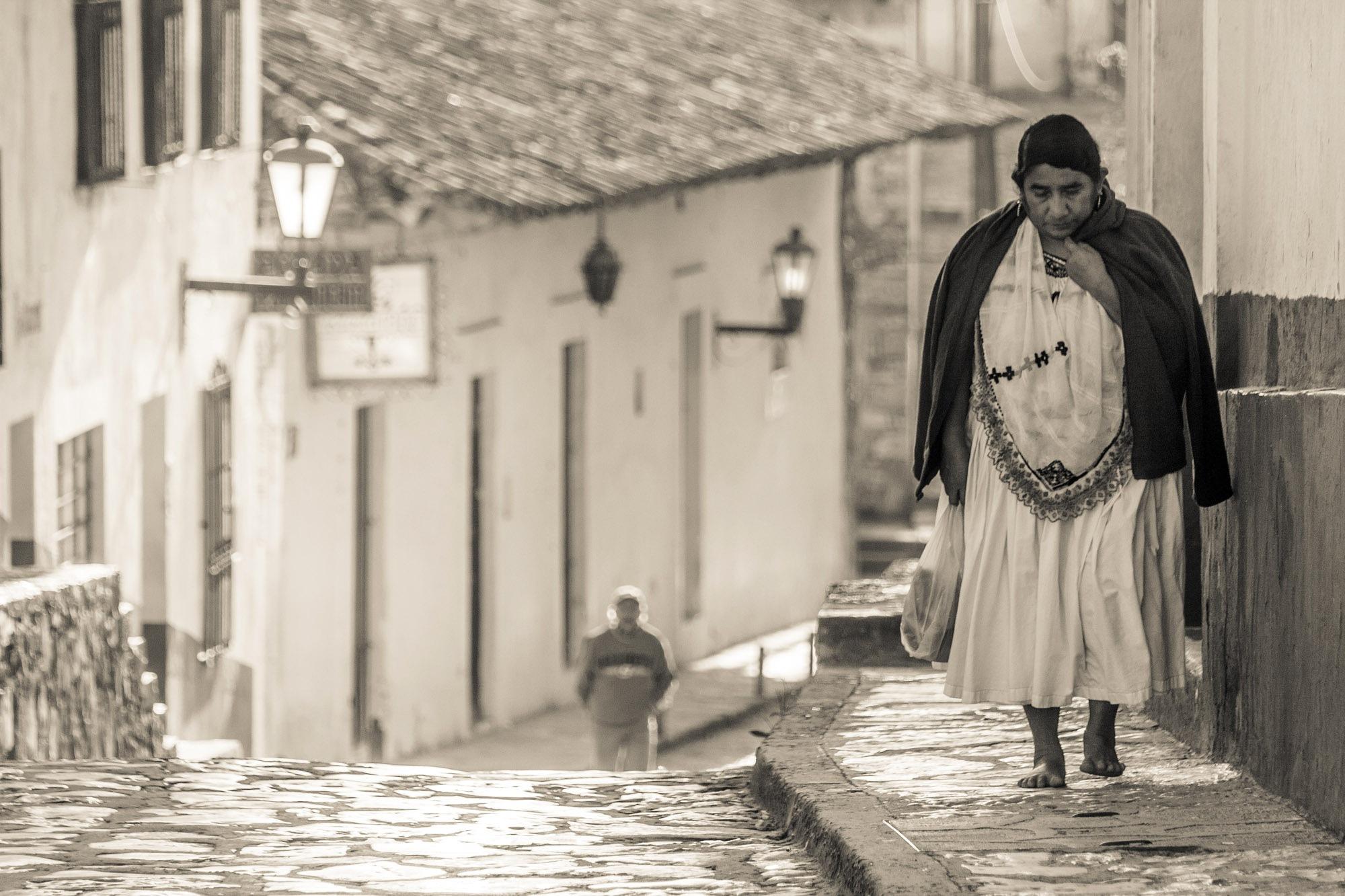 mujer by Gerardo Torres