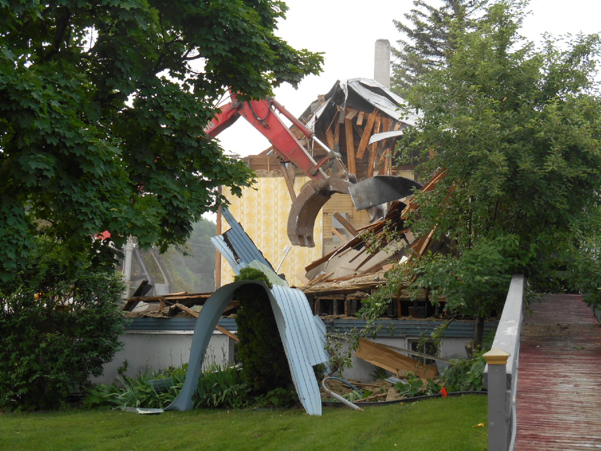 Destruction for progress by jujubwebdesign