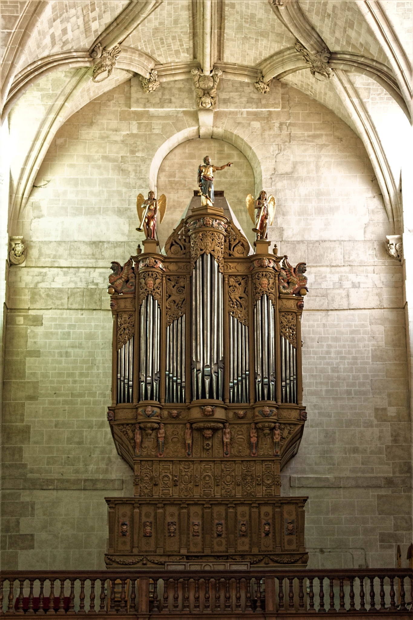 Orgue de l'eglise de Dreux by hubert61