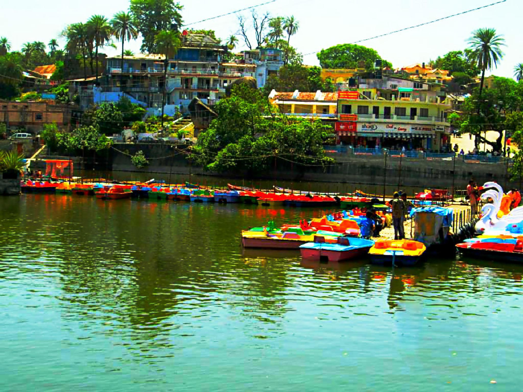 Sailing by Pooja Jhammb