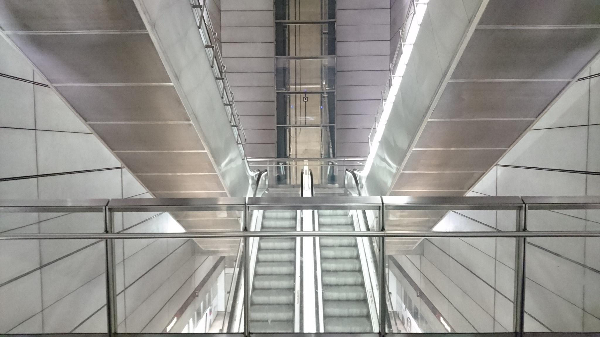 Escalators 2 by Pia Löfgren