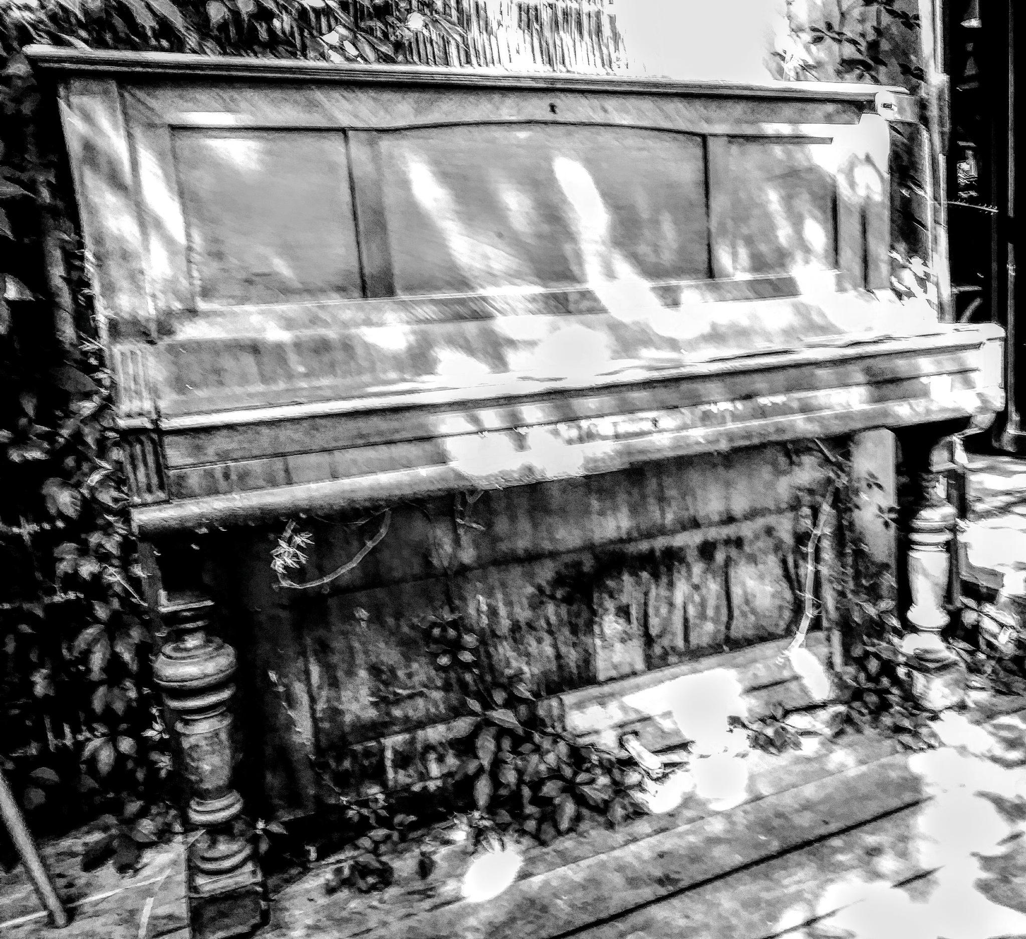 Pianino II by jozgraf