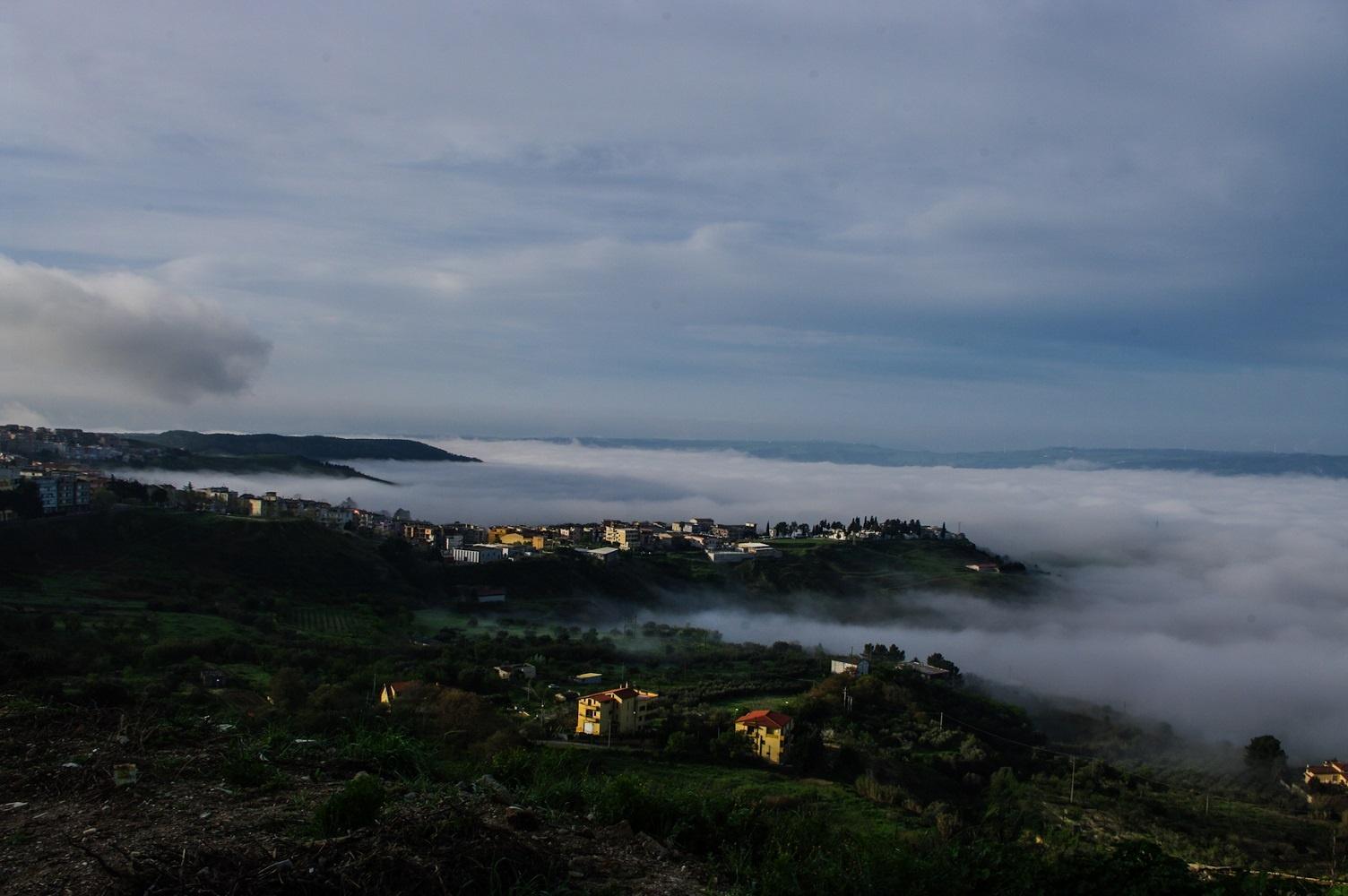 fog sea by Angelo Petrozza