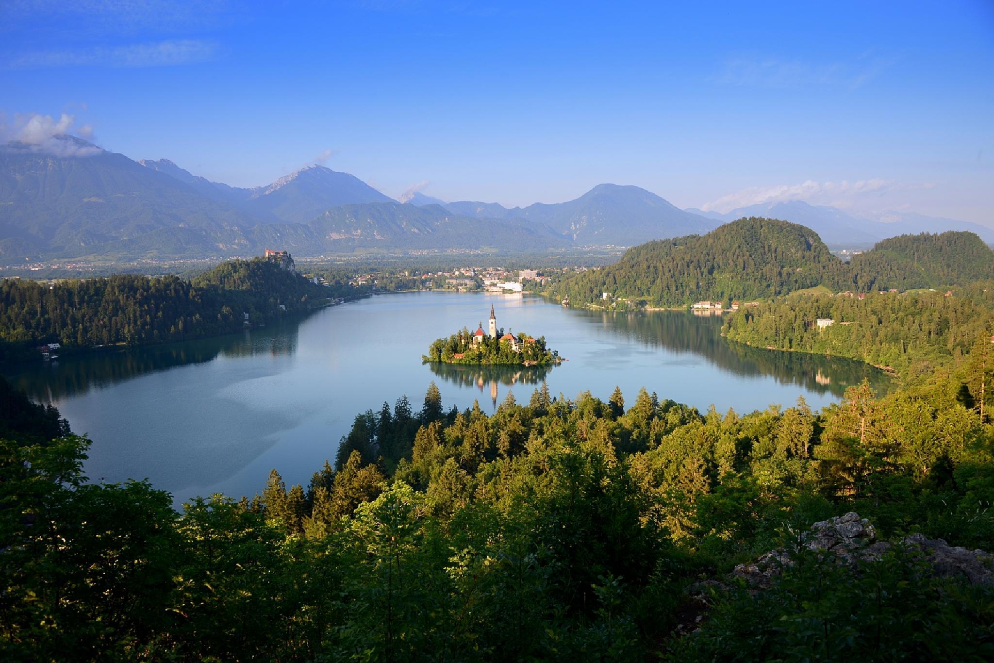 Lake Bled (Slovenia). by Jean-Michel Pouy - Fun Altitude