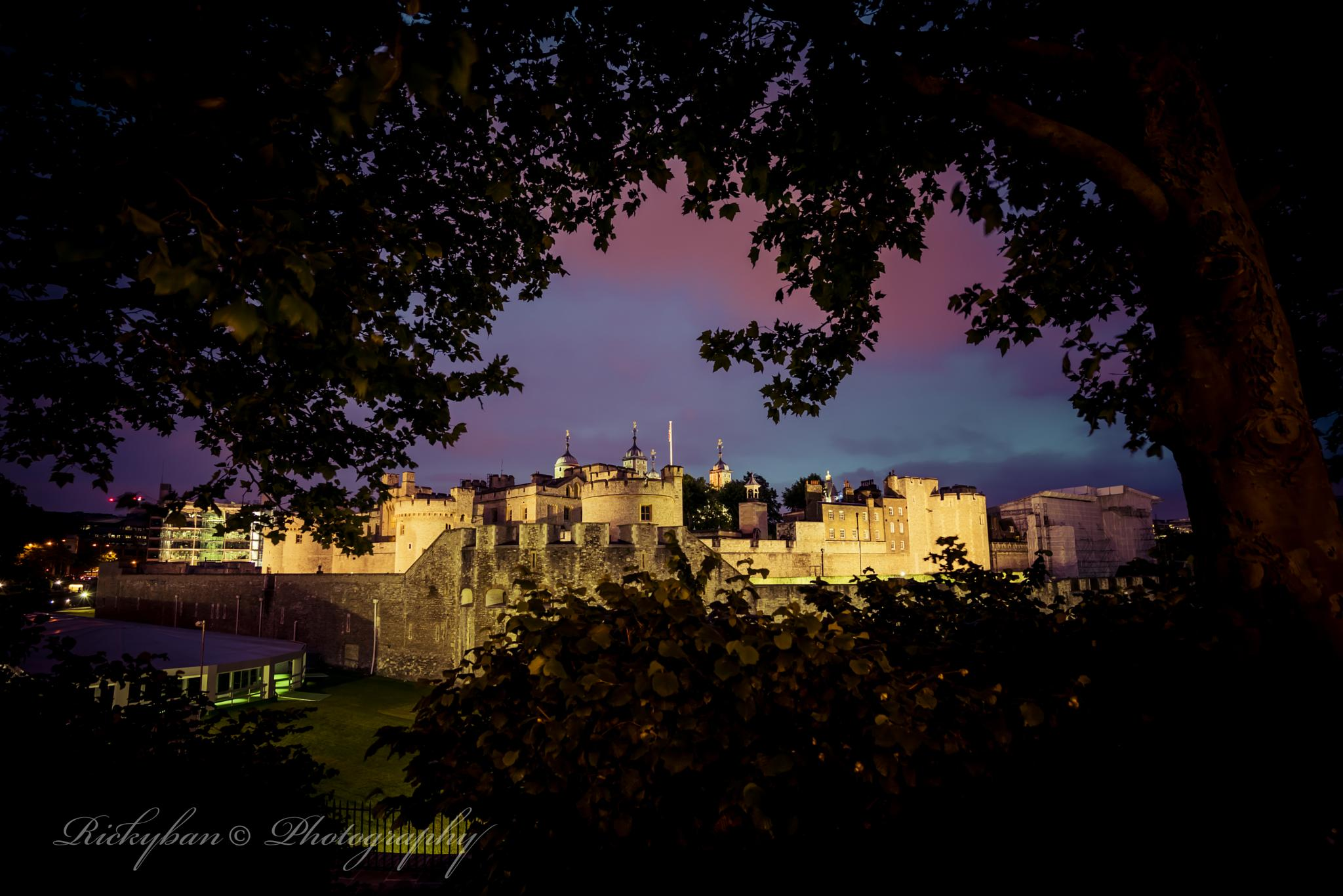Tower of London Framed by rickyban_Photography