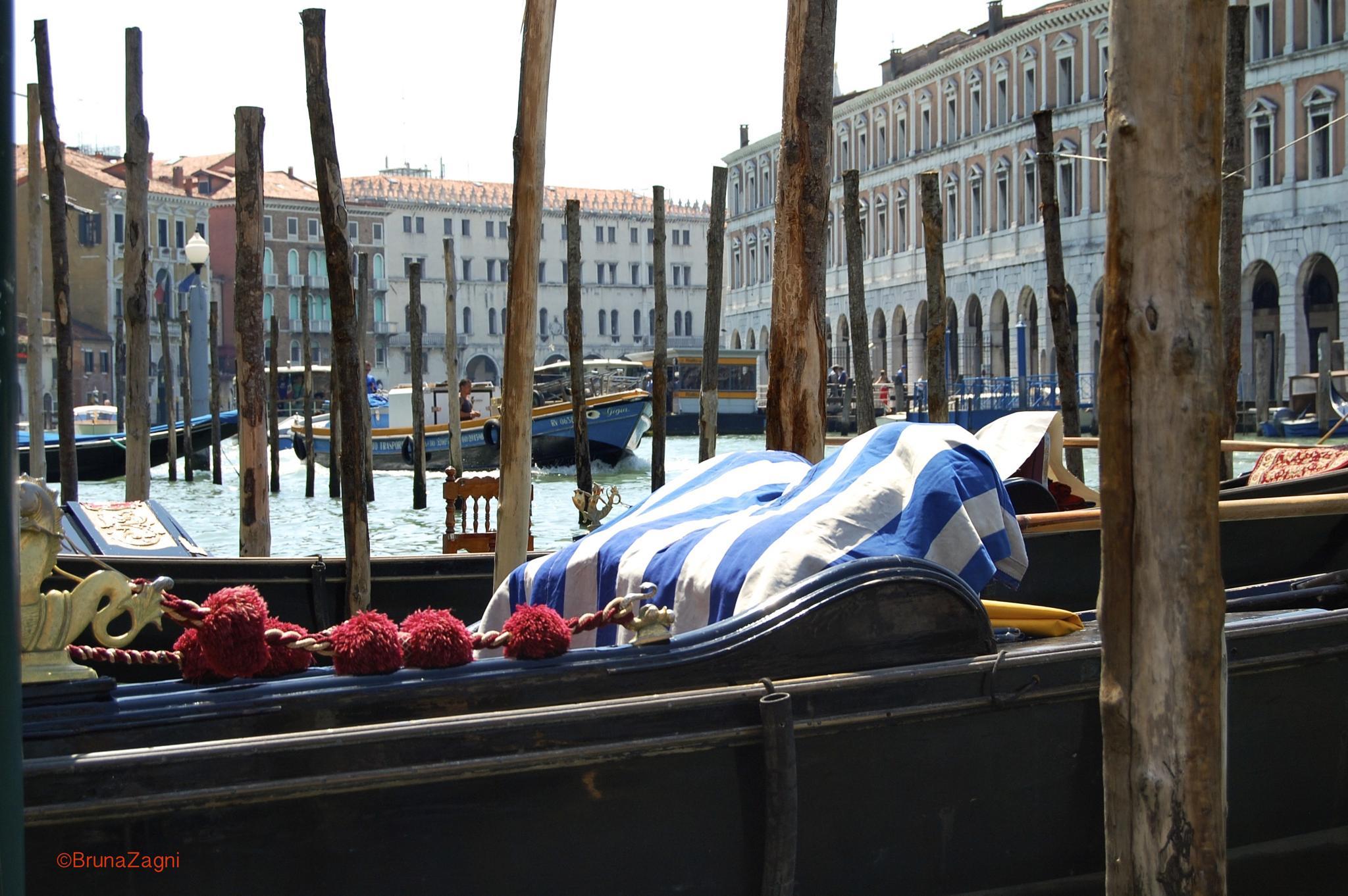 Venice  by Bruna Zagni - 'Nalotuesha'