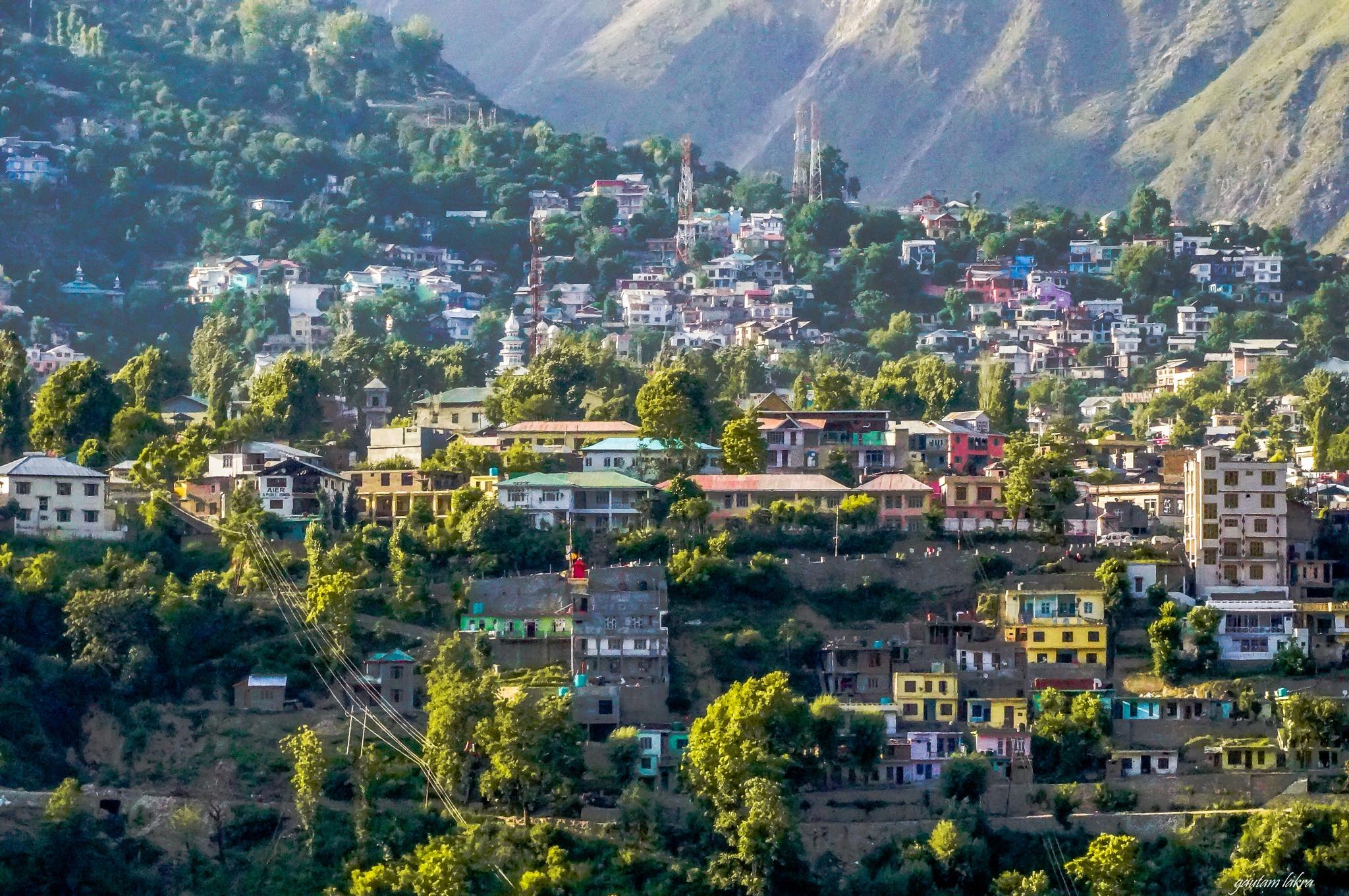 Himalyan hill town by gautamlakra