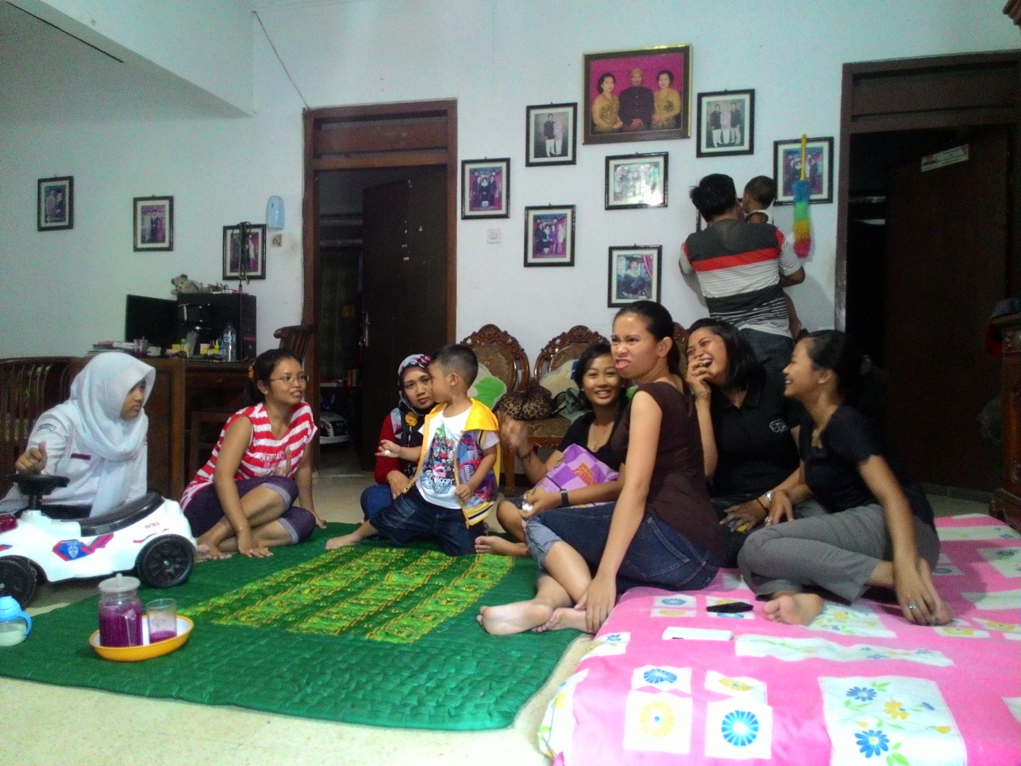 happy family by Vindy Ariswiendar Rasmaka