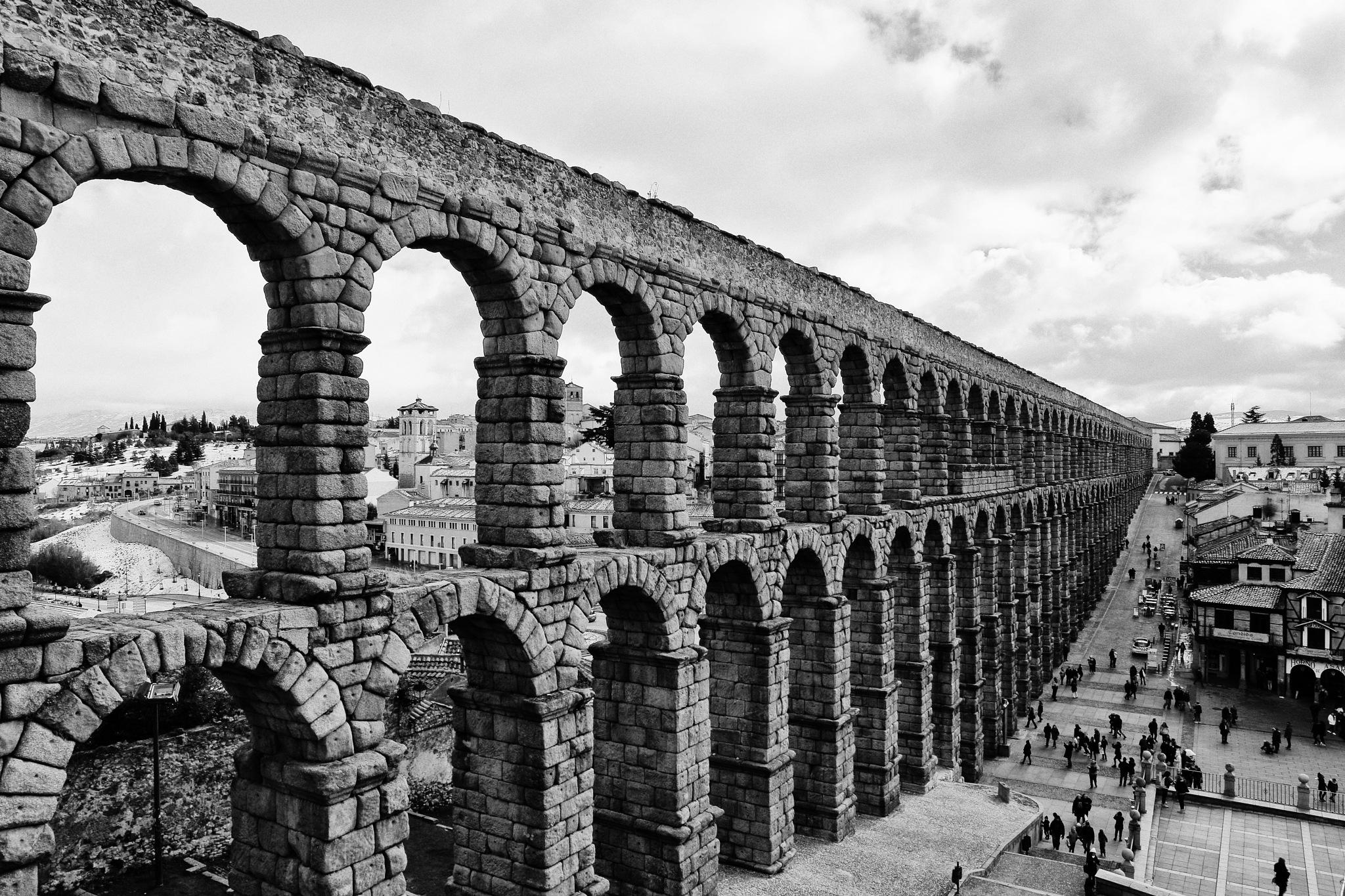 Aqueduct of Segovia by leecj0129