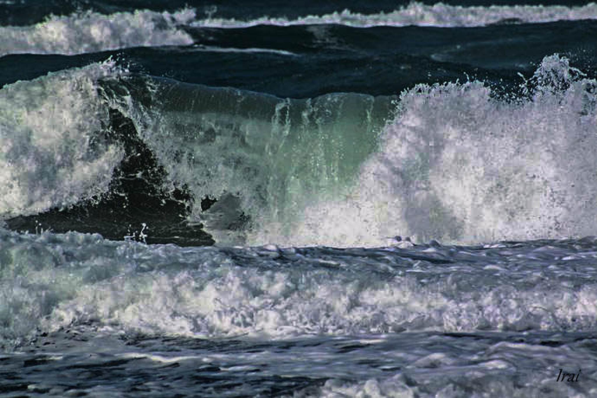 Waves II by Irai