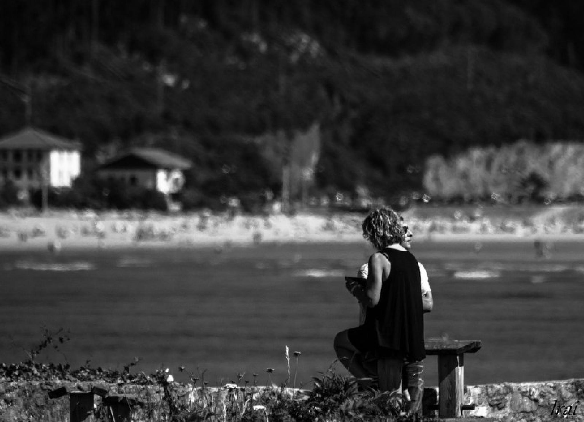 Relaxing in the paradise. Mundaka by Irai