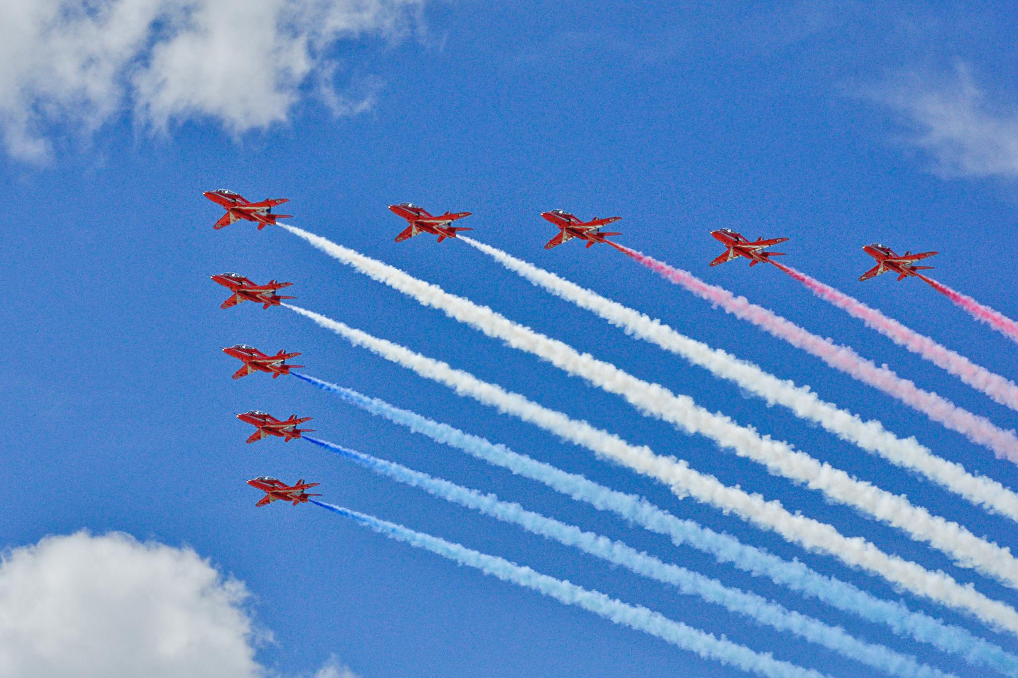 RAF Red Arrows by twopointeightphotography