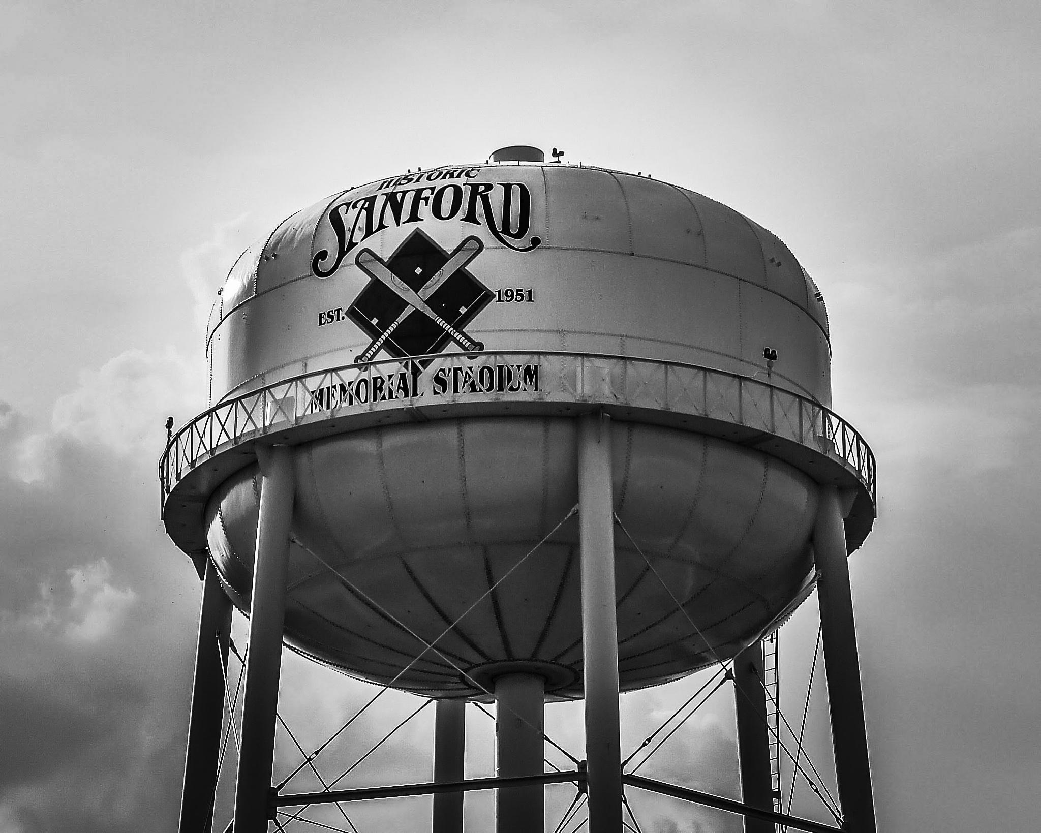 Sanford Water Tower. by John Alava