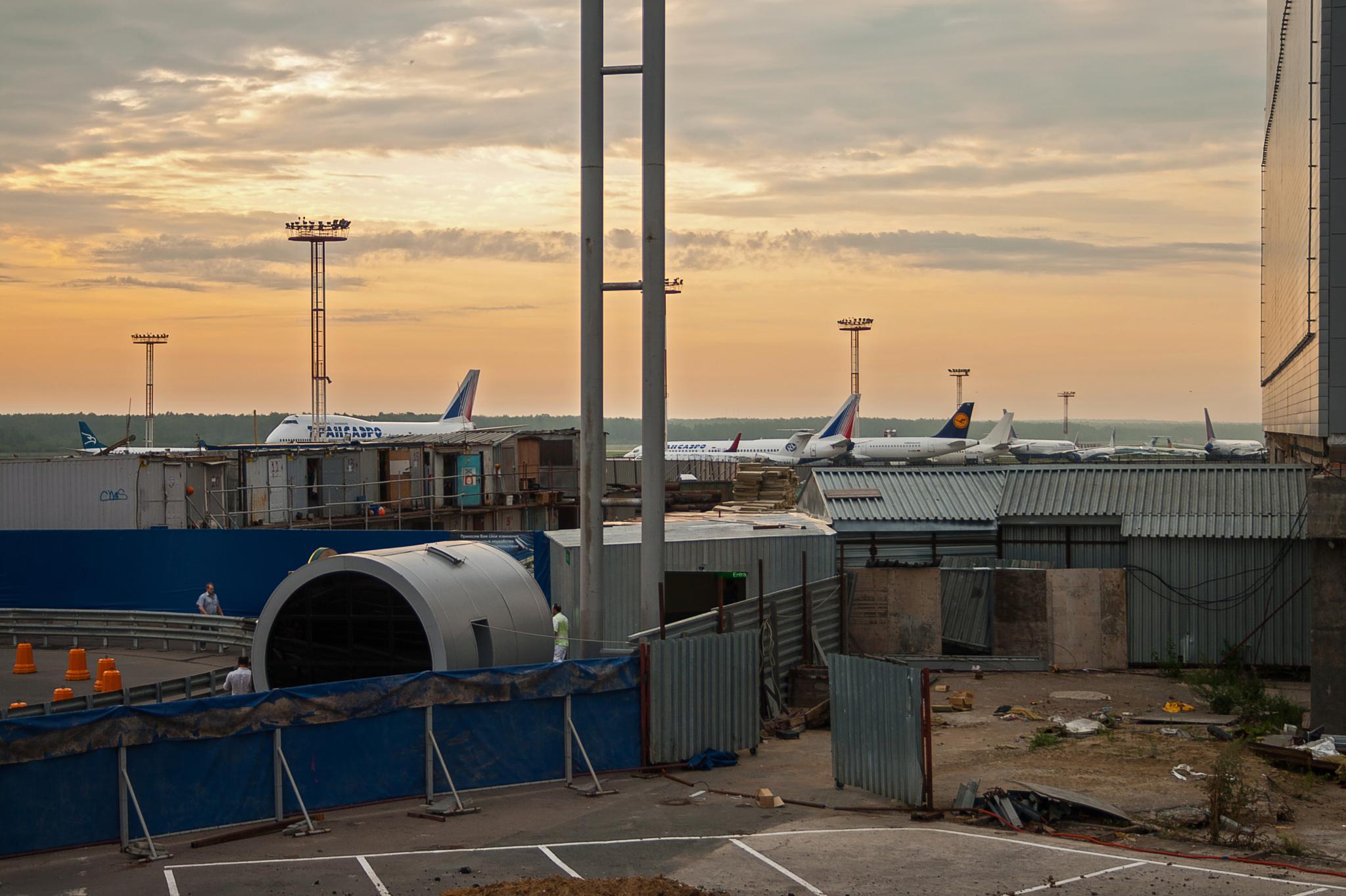 Morning at Domodedovo airport by Dmitriy Kostousov