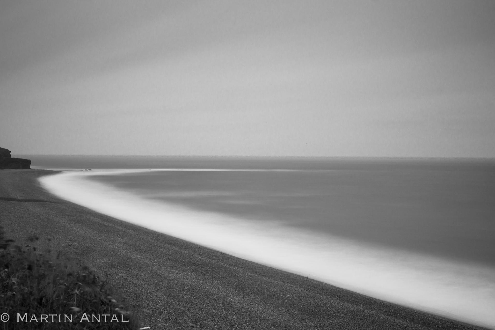 Stormy coastline by MartinAntal