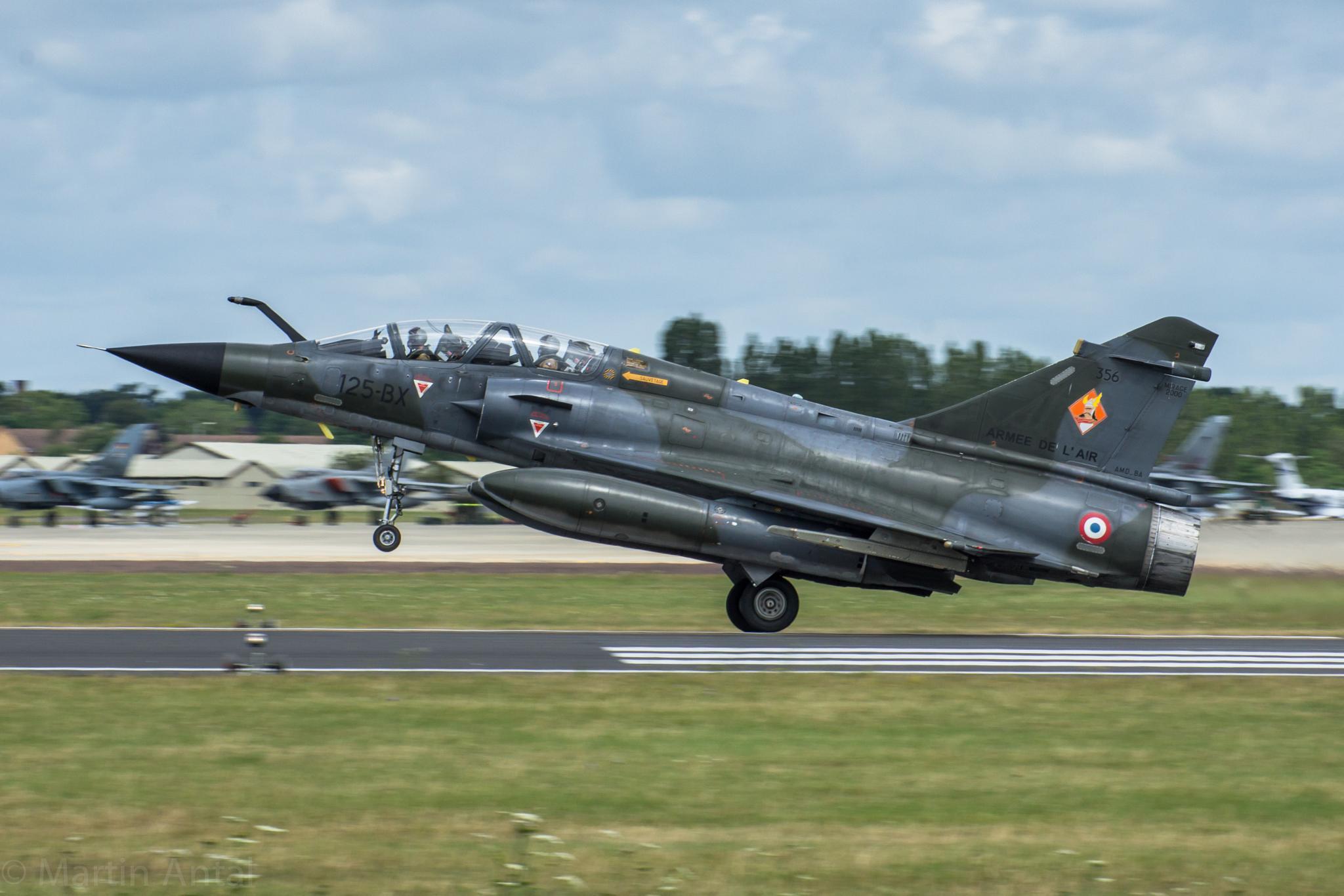 Mirage 2000 take off by MartinAntal