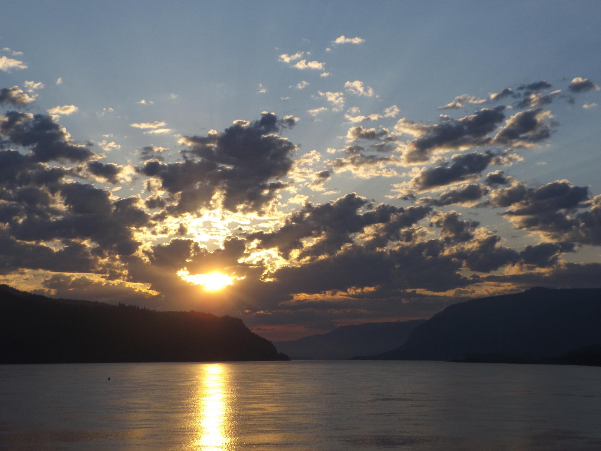 Oregon sunrise by kswolfy