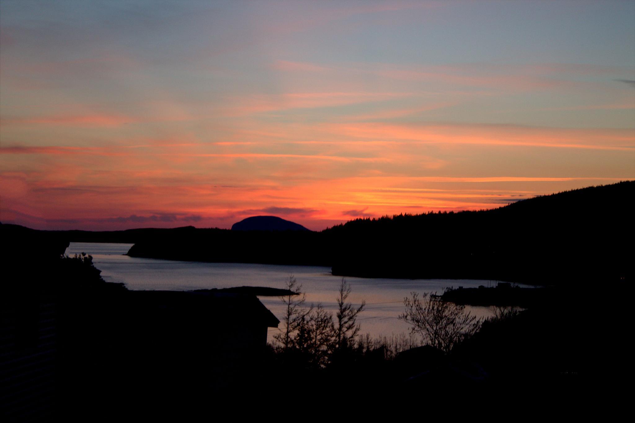 Sunday Sunset by @denienelovell