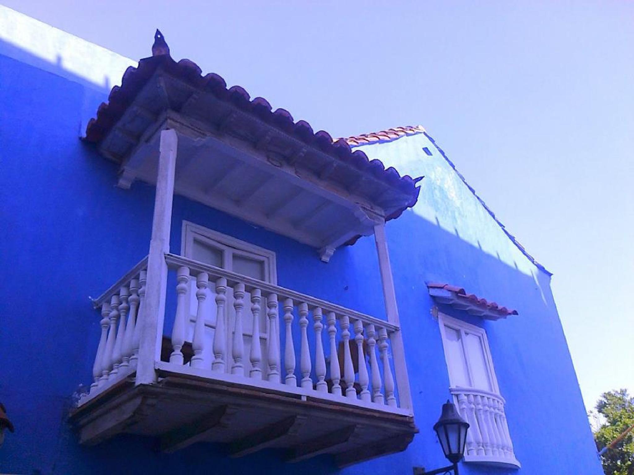 Blue horizon by castariza