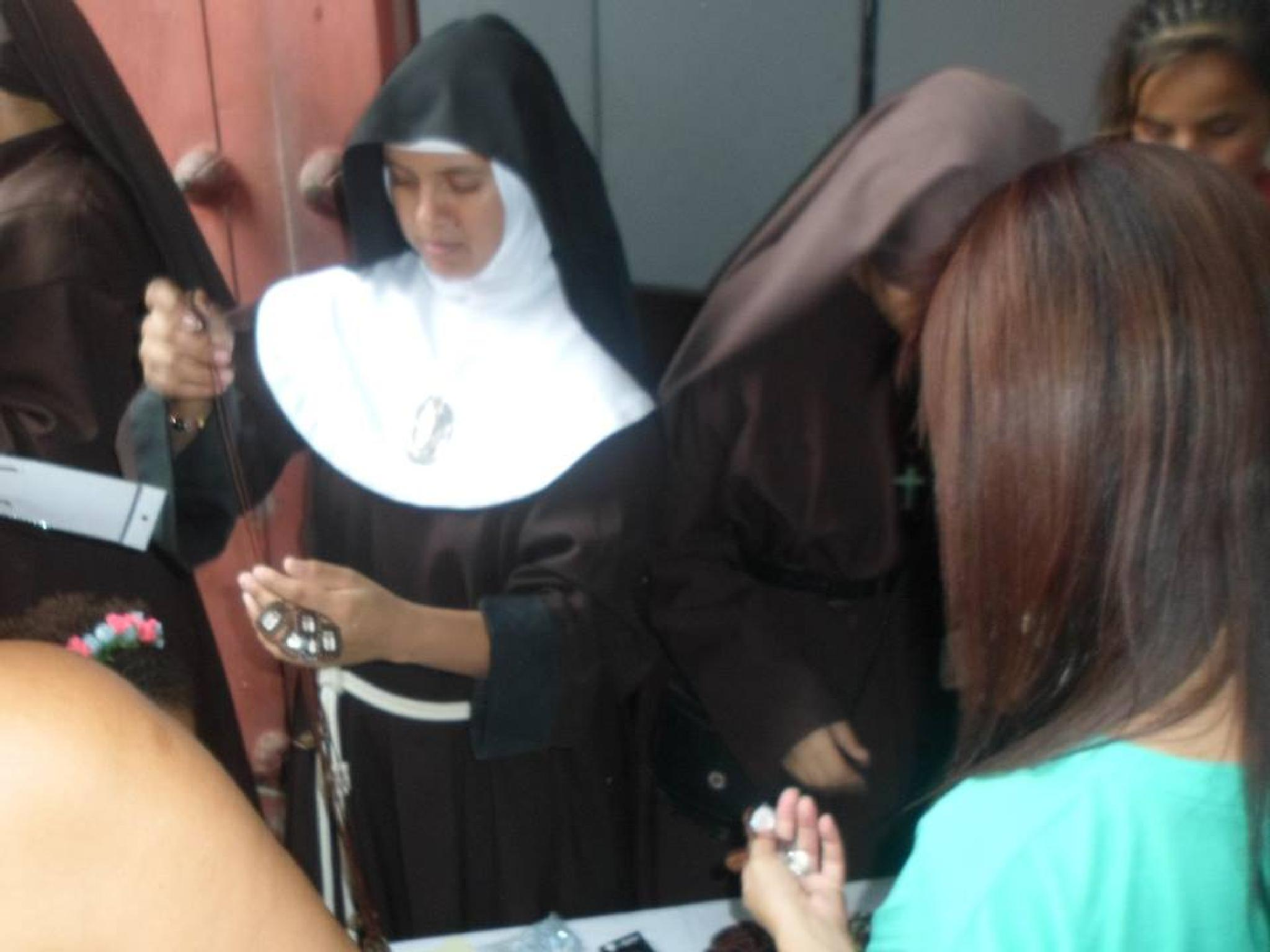 young nun by castariza